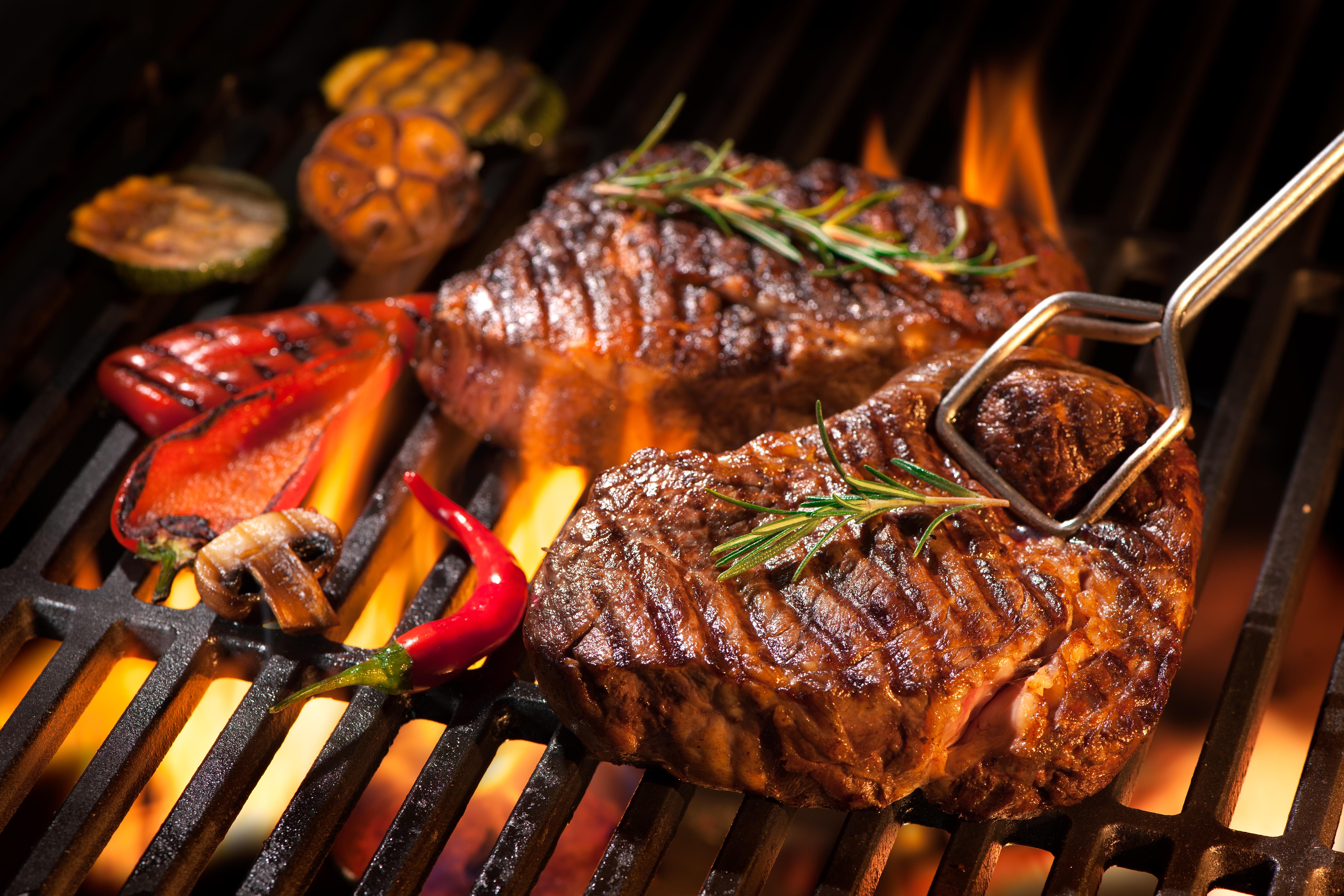 Degustar un menú como el de Jonathan Harker en el Hotel Corona de Oro - Rumanía Circuito Lo mejor de Rumanía y Bulgaria