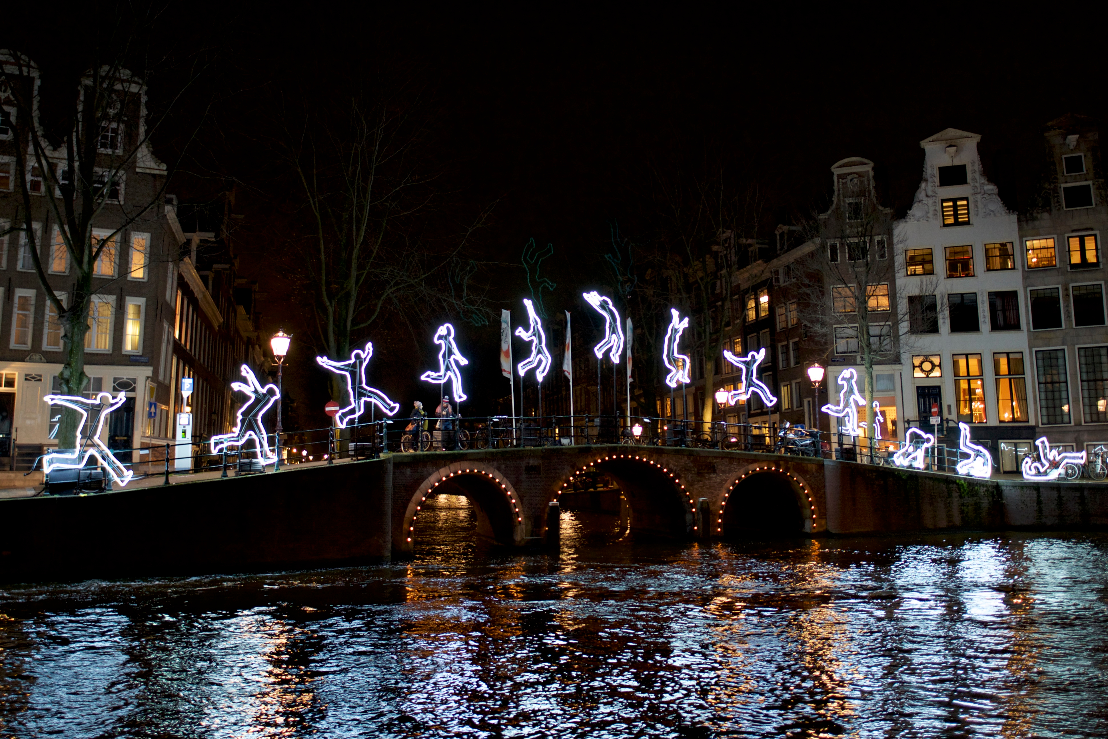 Pasea por la ciudad más iluminada del mundo - Francia Circuito París, Bruselas y Ámsterdam