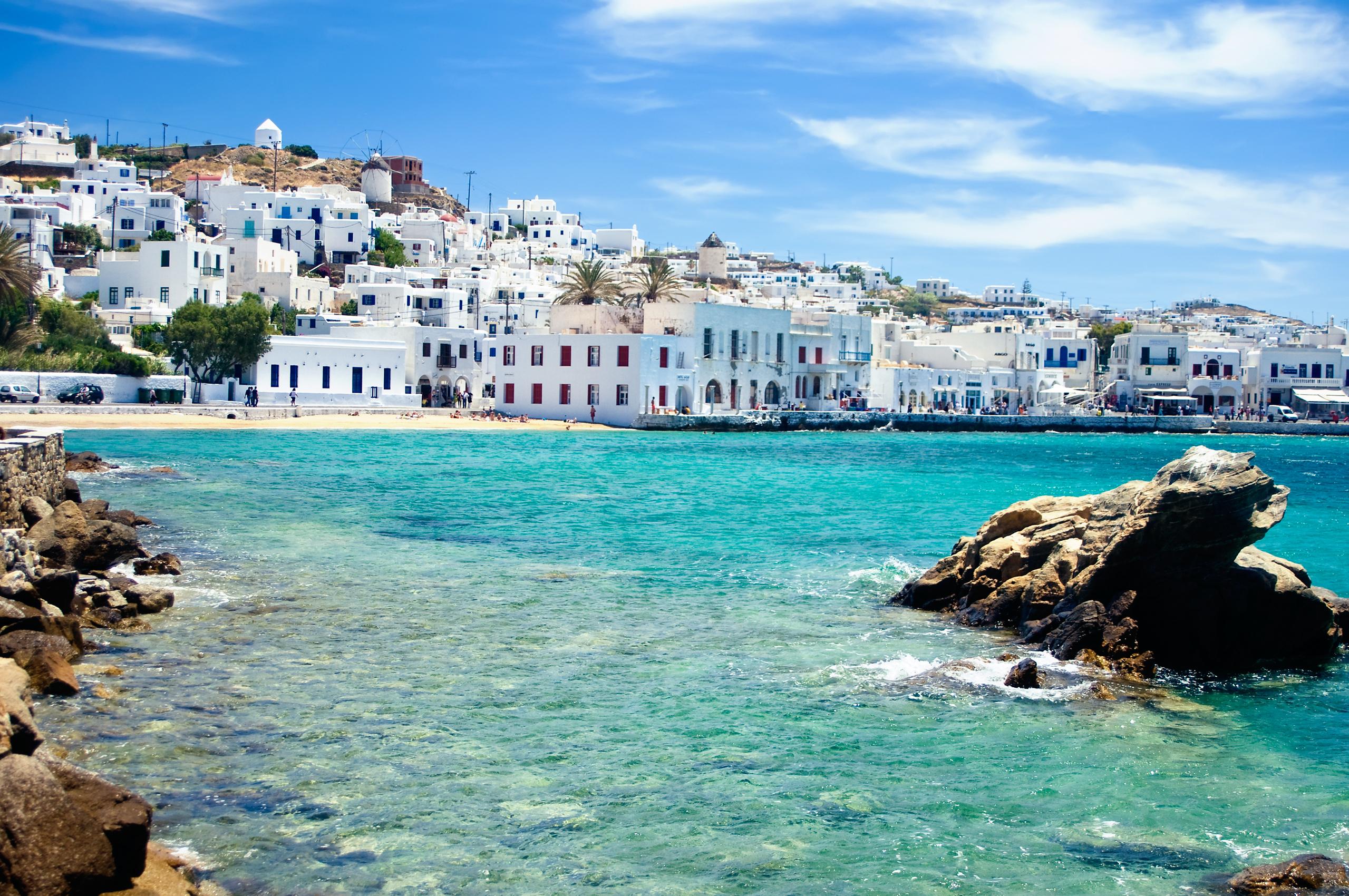 Date una vuelta por la isla más glamurosa de Grecia - Grecia Circuito Atenas y Crucero de 4 días