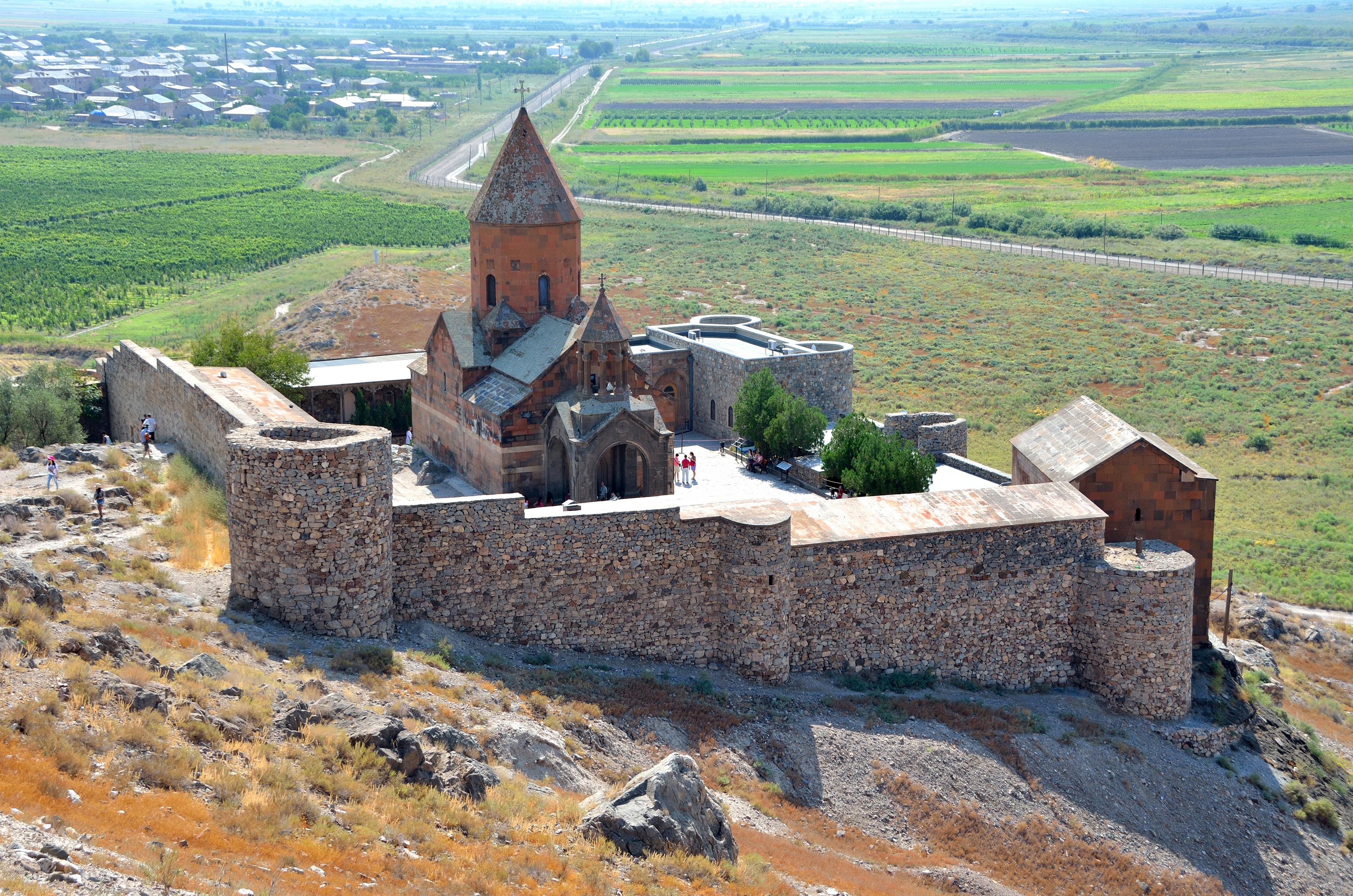 La ruta de los monasterios armenios - Armenia Circuito Armenia