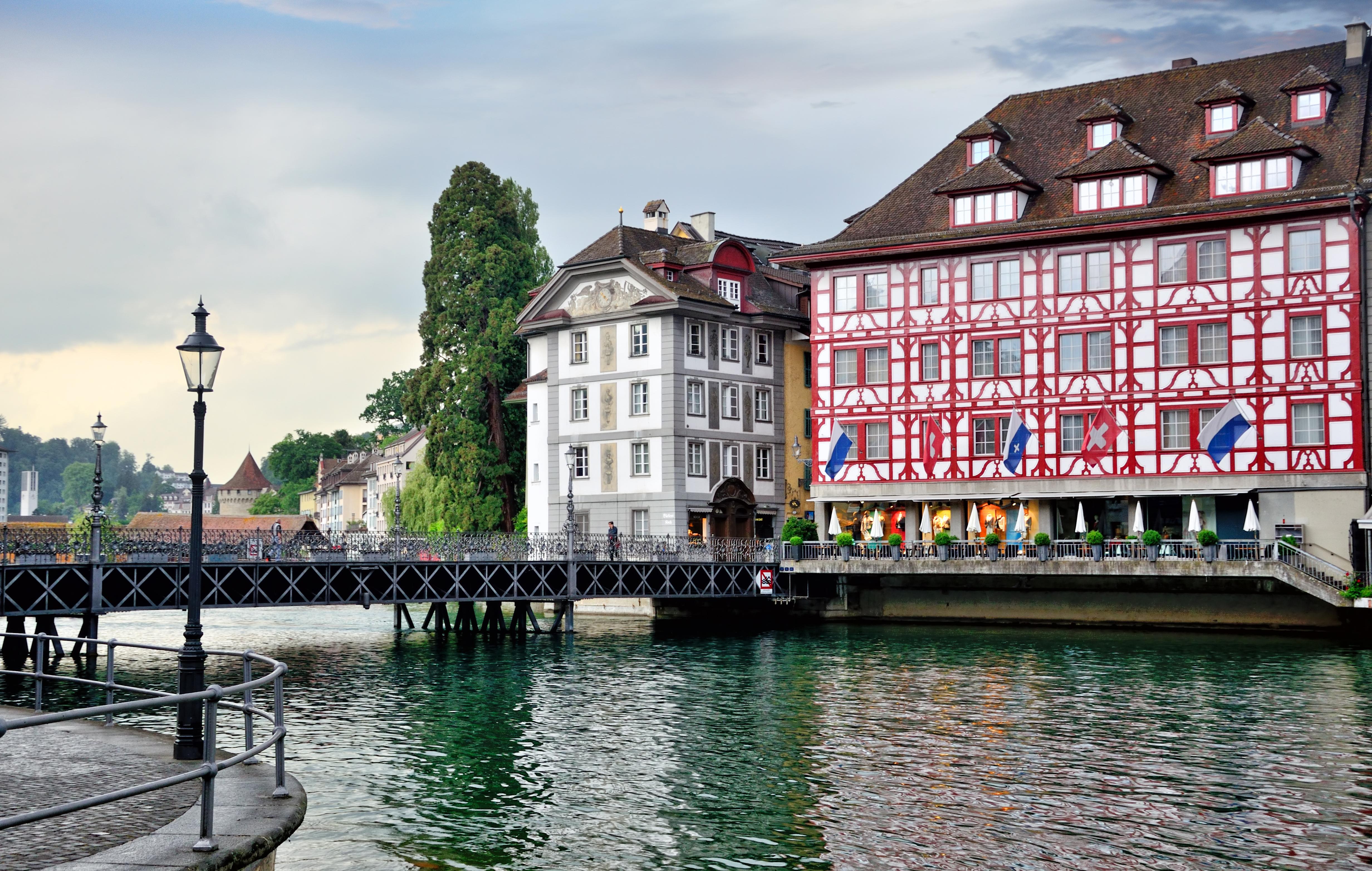 De crucero por el Lago de los Cuatro Cantones - Suiza Escapada Escapada a Suiza y Selva Negra