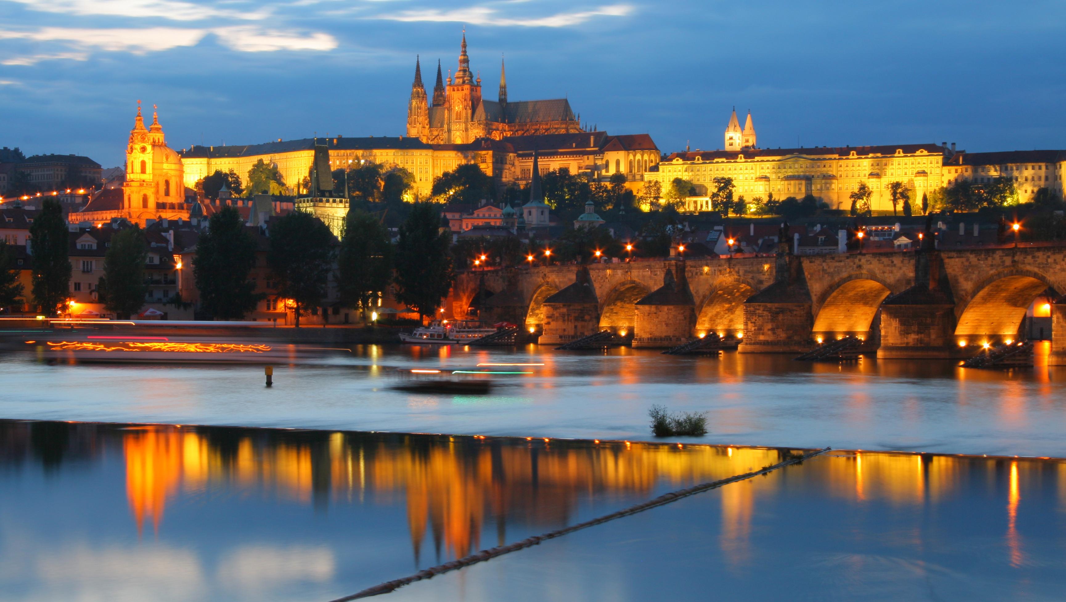 Conoce el castillo más grande del mundo - República Checa Circuito Praga y Viena
