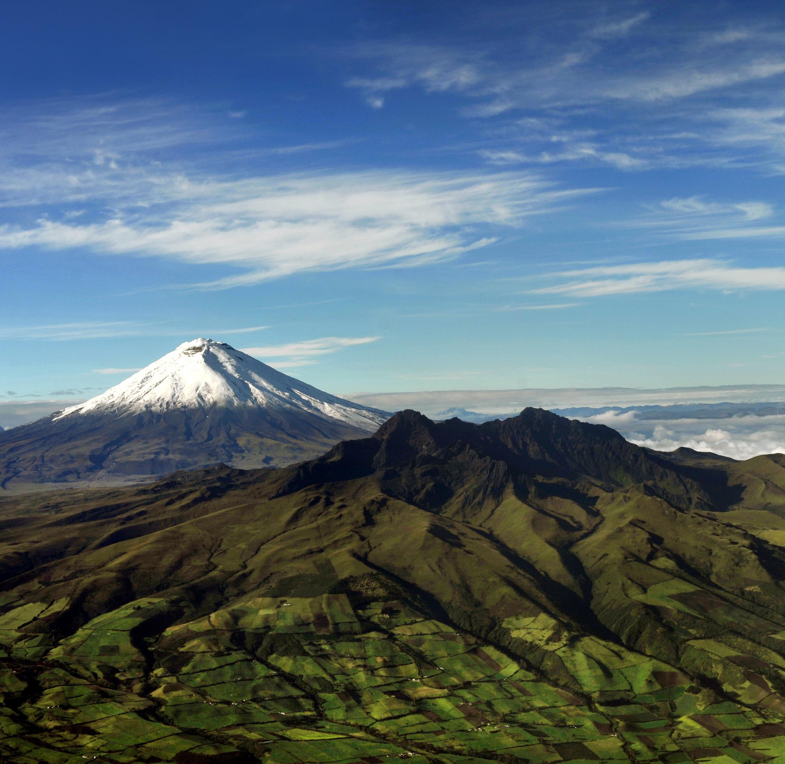 Nos calzamos las botas de montaña, la Avenida de los Volcanes nos espera - Ecuador Gran Viaje Descubrimiento del Ecuador