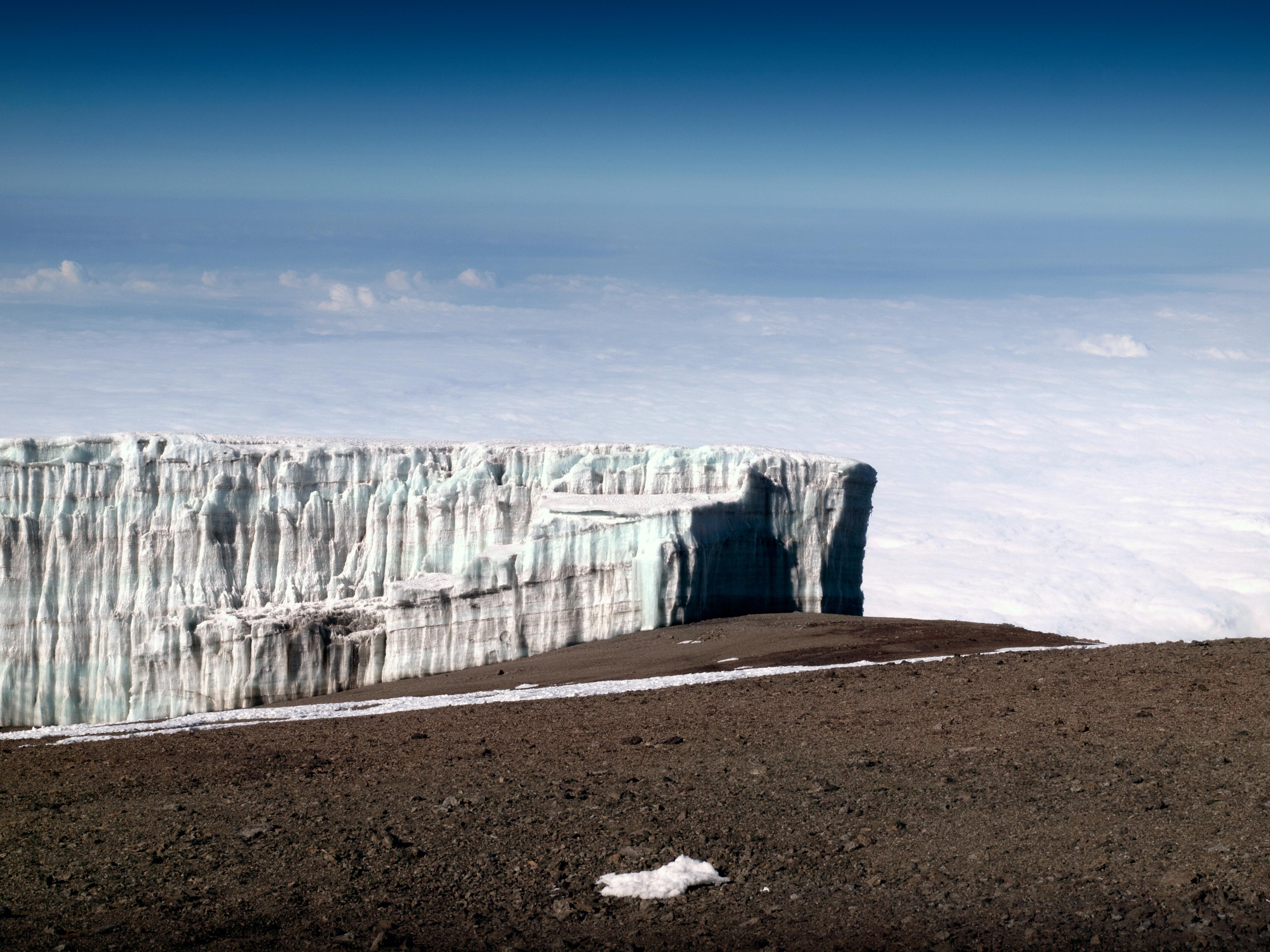 Alcanzamos las cumbres más gélidas del Kilimanjaro - Tanzania Gran Viaje Ascensión al Kilimanjaro: Ruta Marangu