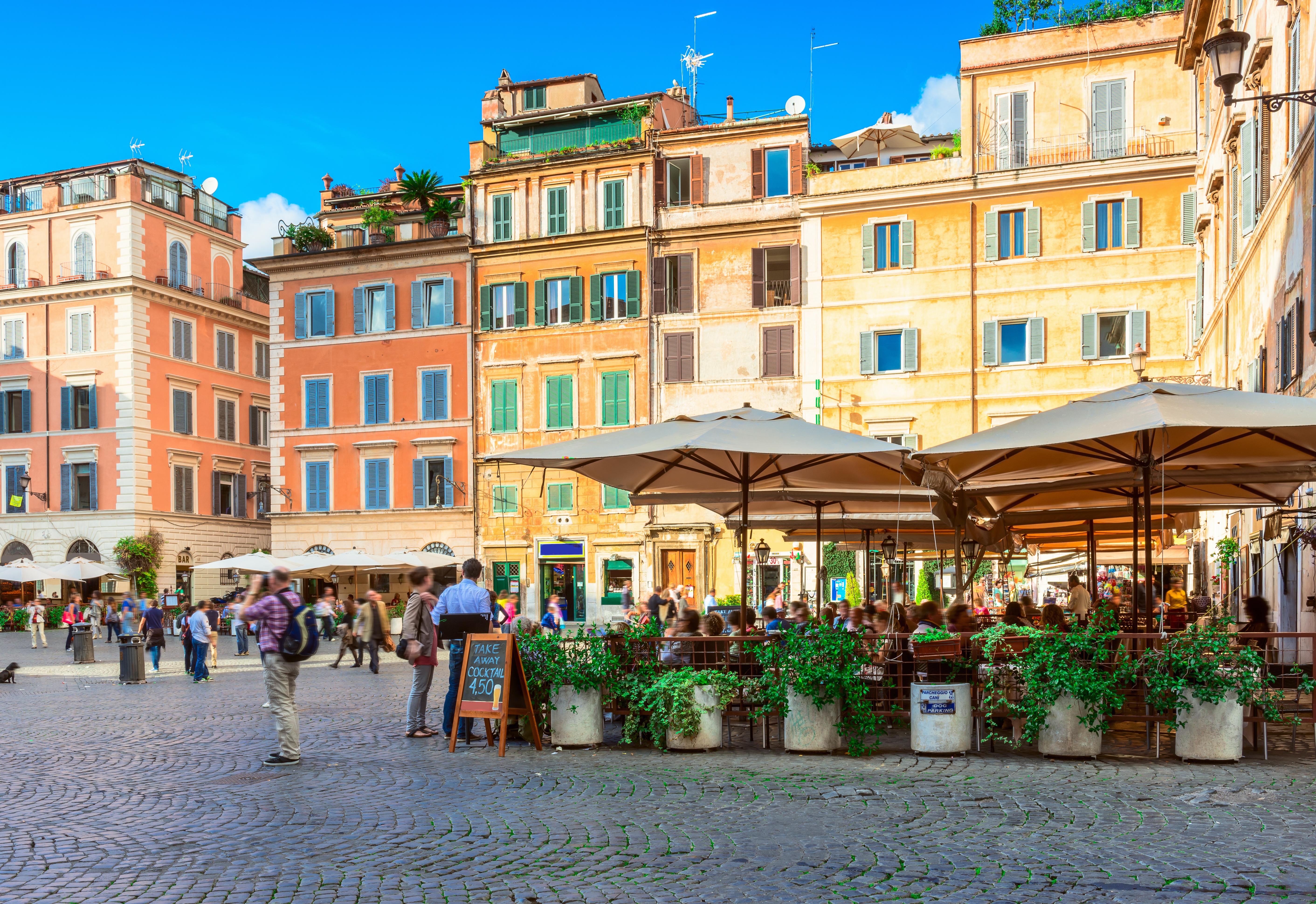 Perderse por las calles del Trastevere, el barrio más bohemio de Roma - Italia Circuito Italia Monumental: de Roma a Milán