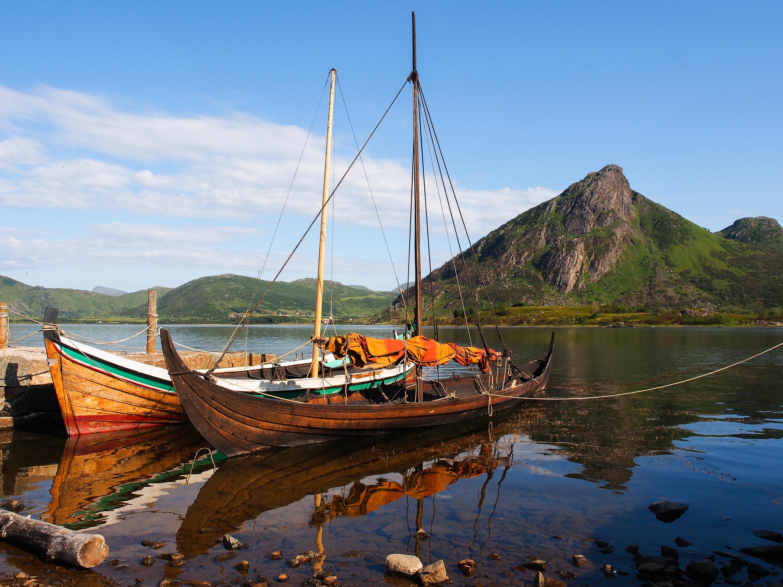 Revivir la vida cotidiana de los vikingos en el Lofotr Viking Museum - Finlandia Circuito Escandinavia de Norte a Sur