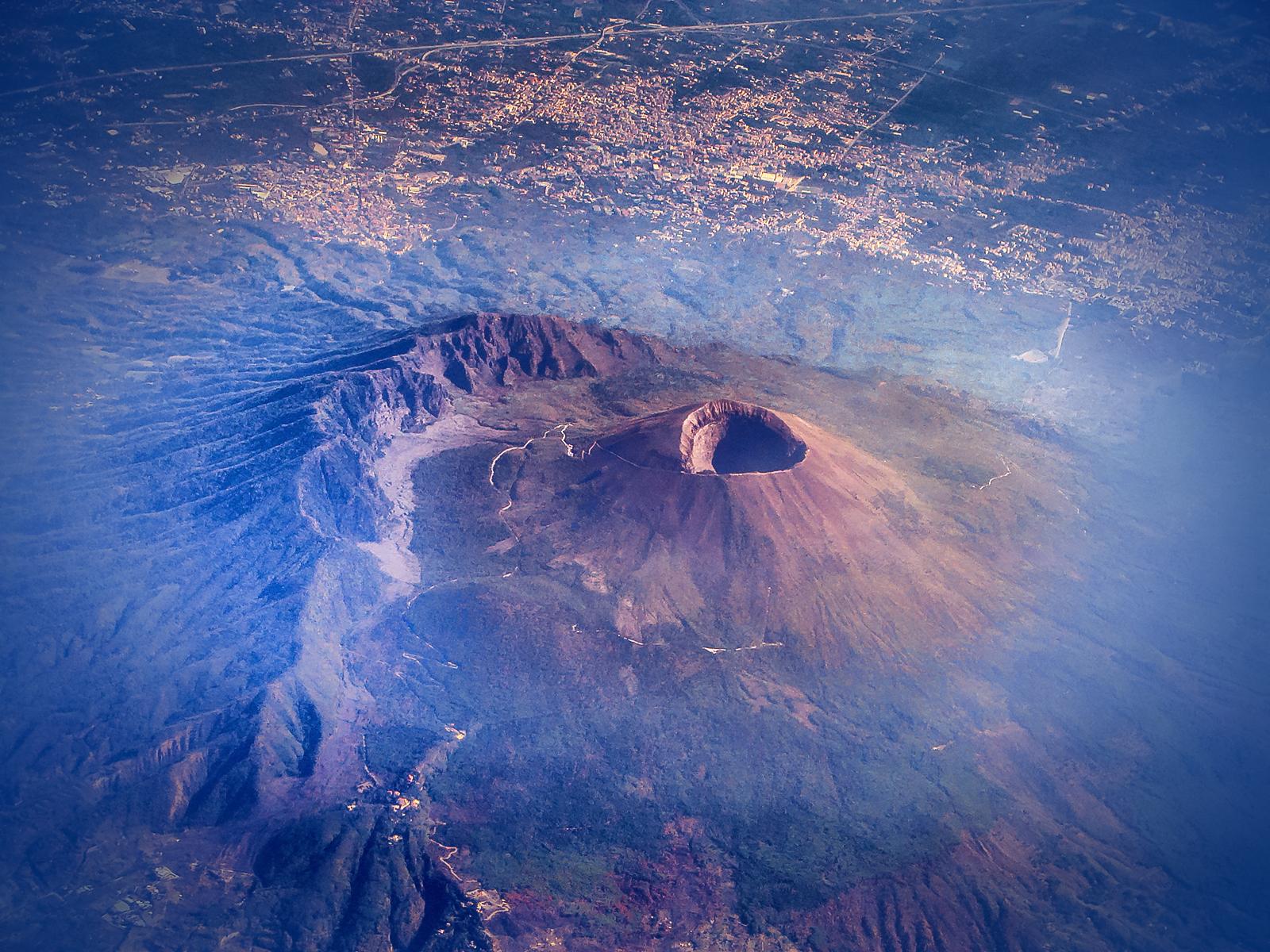 Sube hasta el Etna, el volcán activo más grande de Europa - Italia Circuito Sicilia Clásica y Nápoles