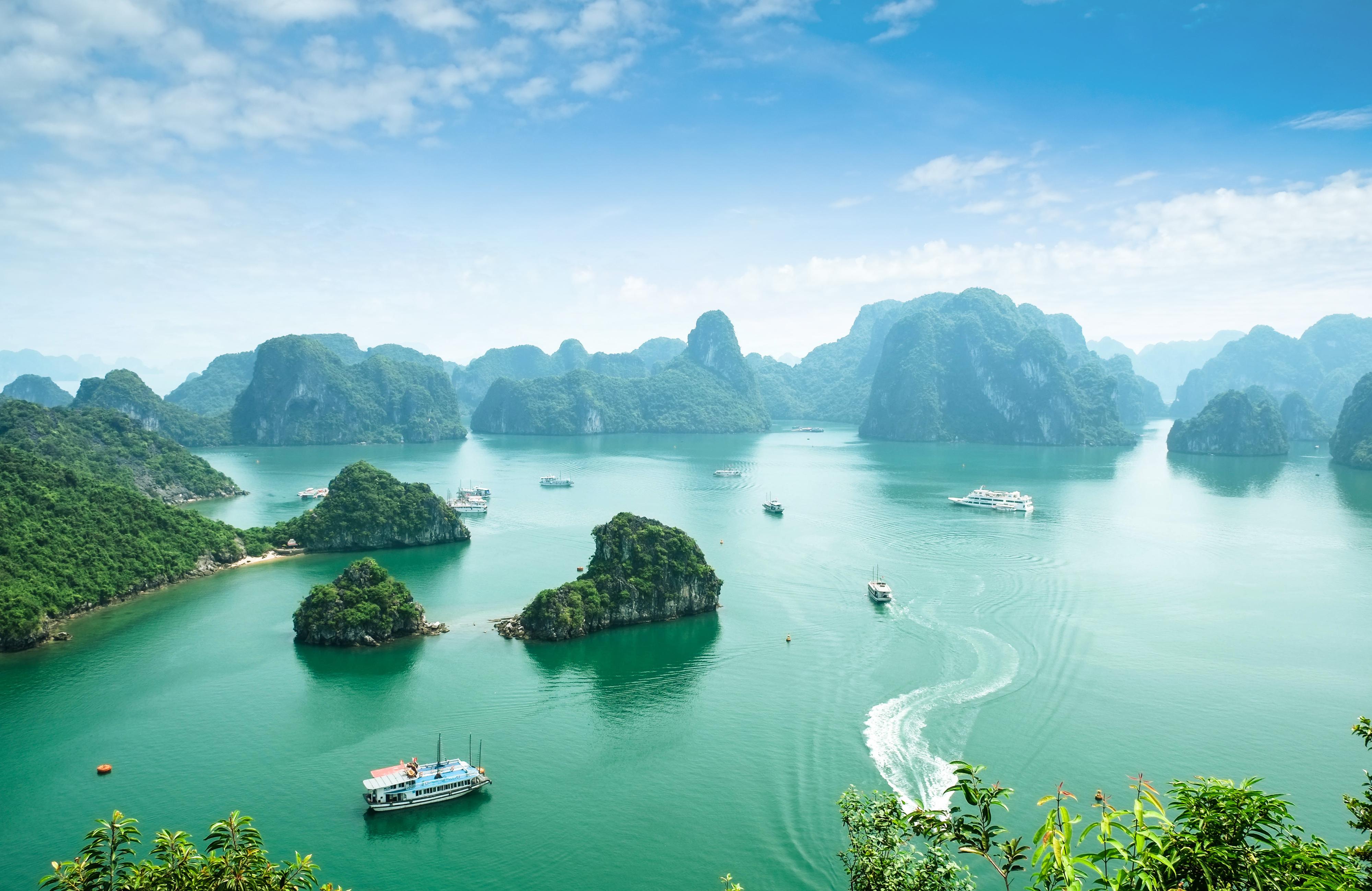 La Bahía de Halong, una maravilla natural - Vietnam Gran Viaje Vietnam Esencial