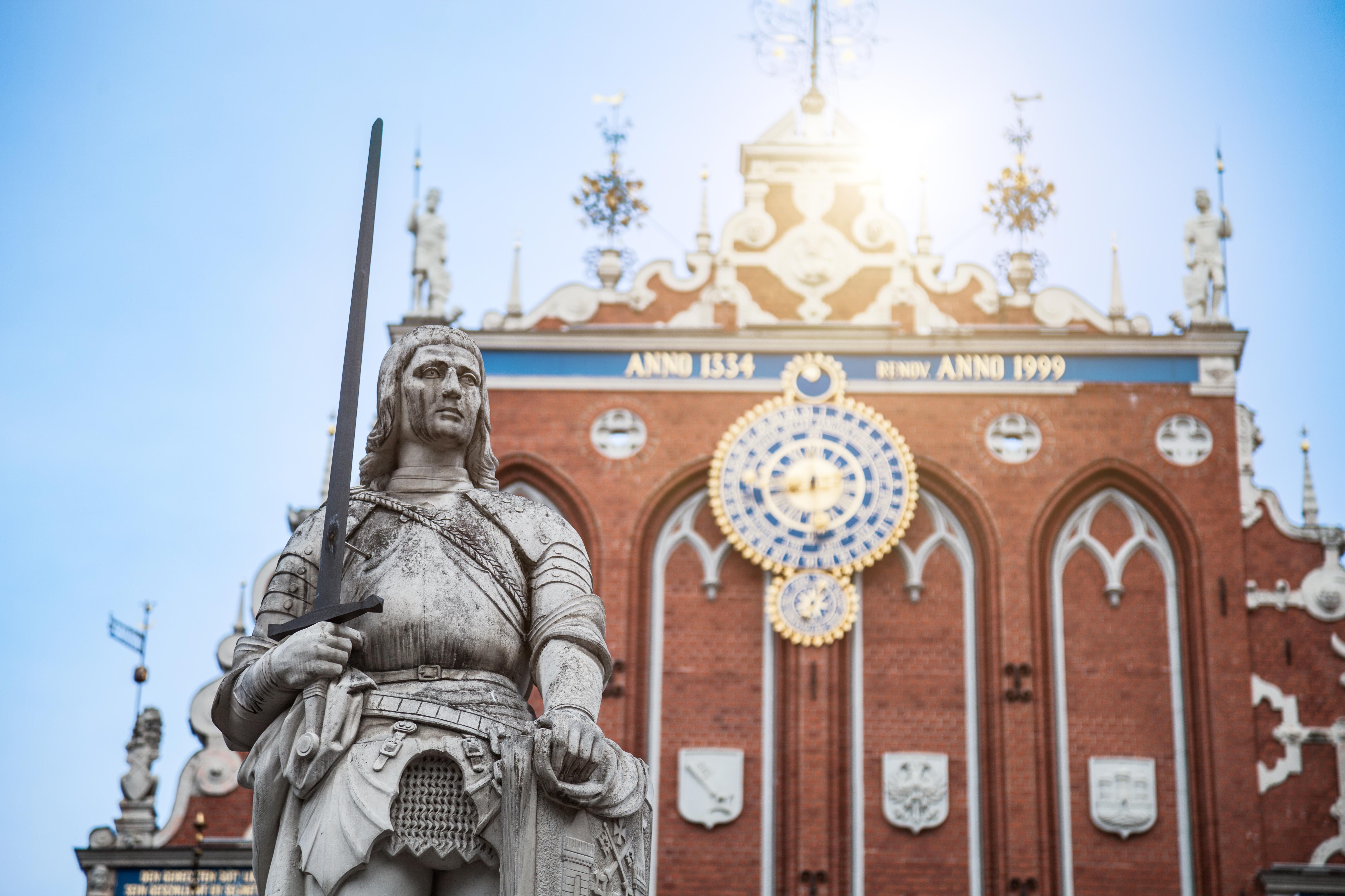 ¿Un edificio de Cabezas Negras? - Lituania Circuito Repúblicas Bálticas