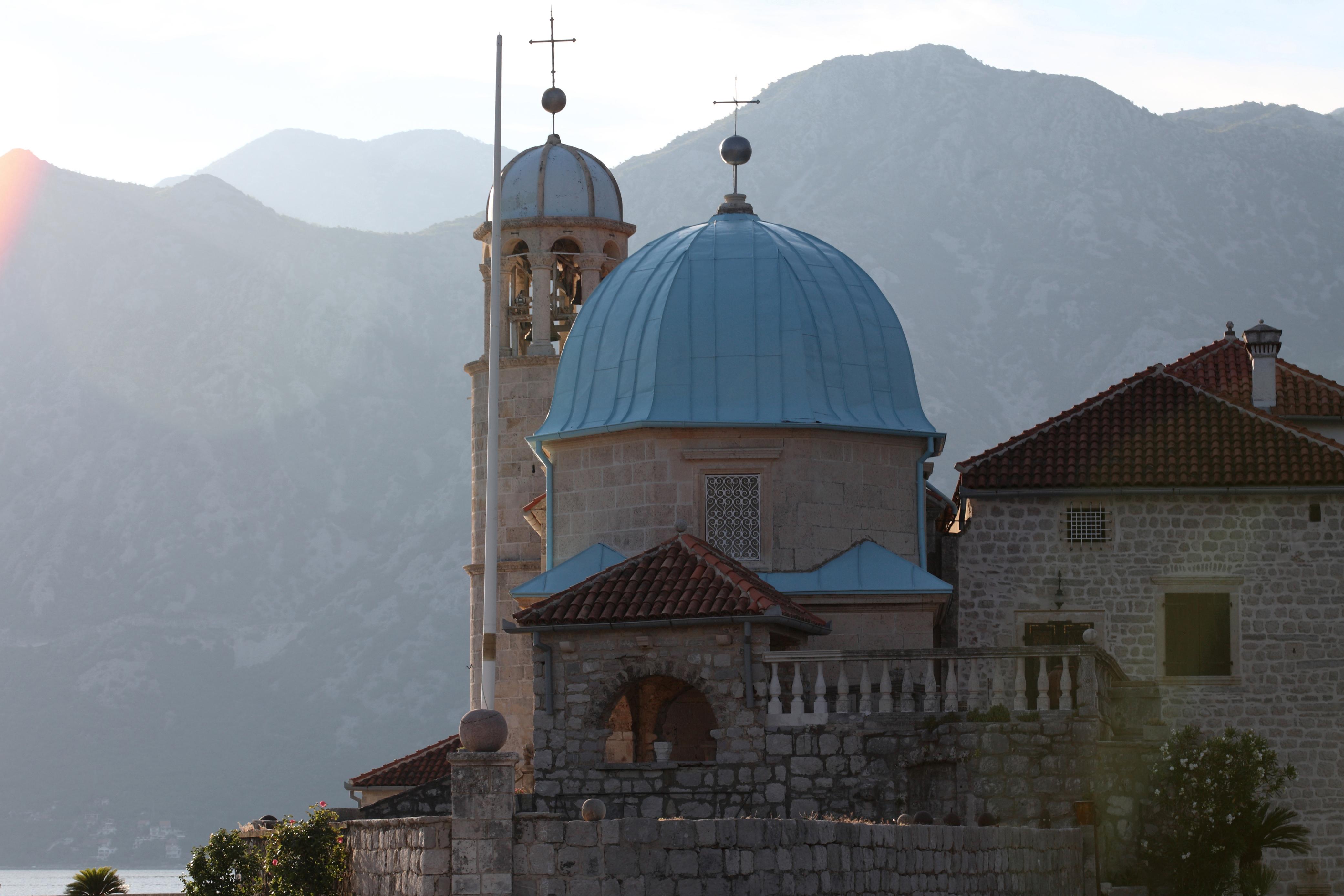 Descubre una iglesia en medio del fiordo - Croacia Circuito Croacia Total: de Zagreb a Dubrovnik