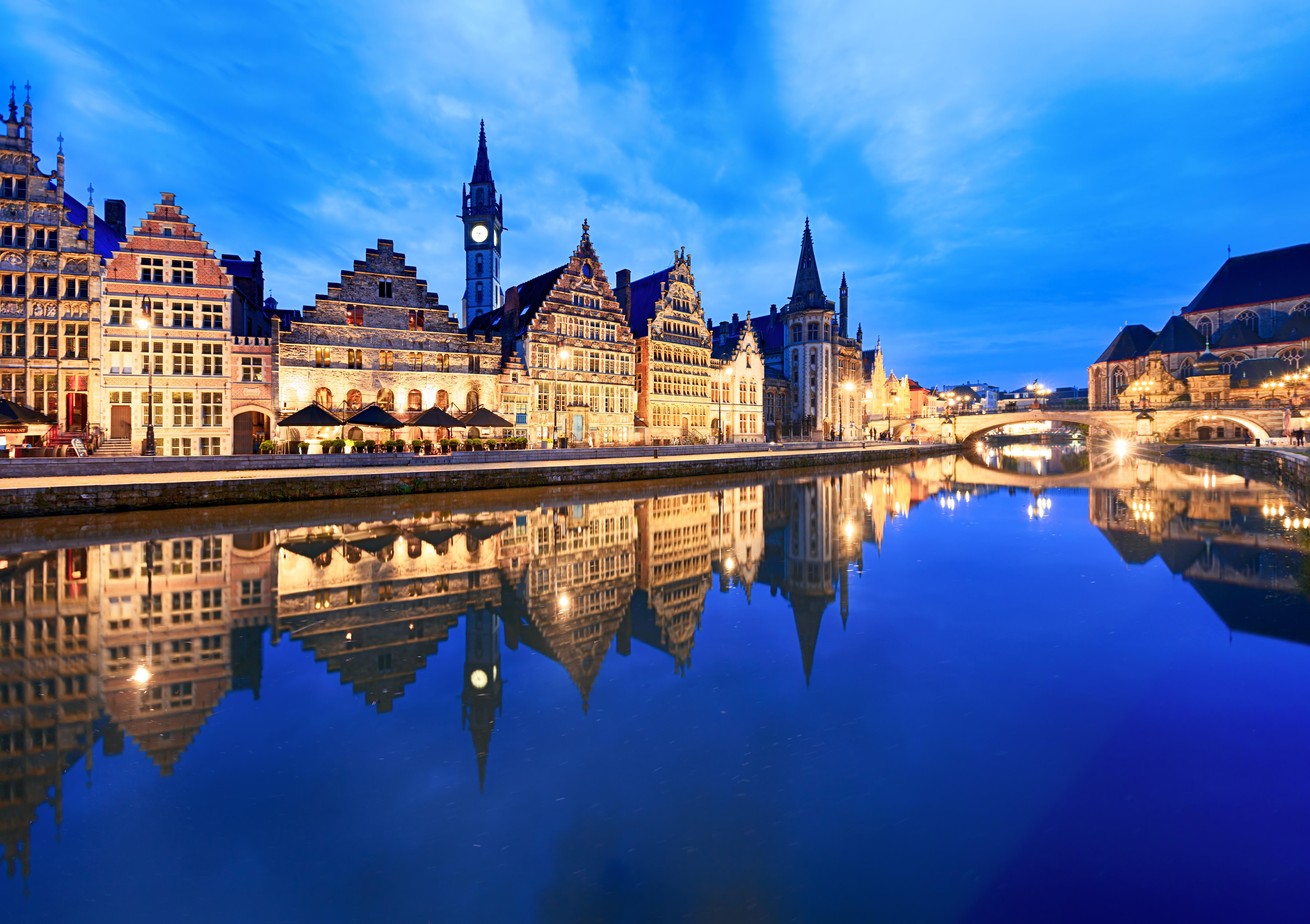 Un paseo por el Graslei y el Korenlei para evocar el pasado comercial de la ciudad medieval de Gante - Holanda Circuito Países Bajos y el Rhin