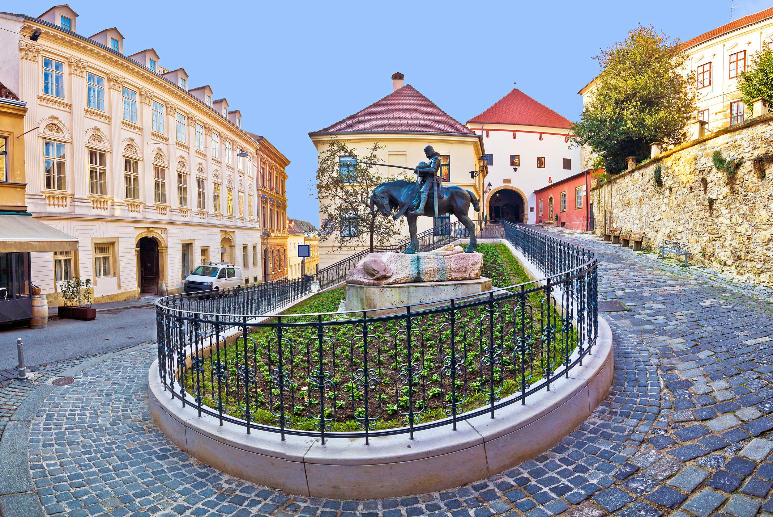 Ponle una vela a la virgen más venerada de Zagreb - Croacia Circuito Eslovenia e Istria
