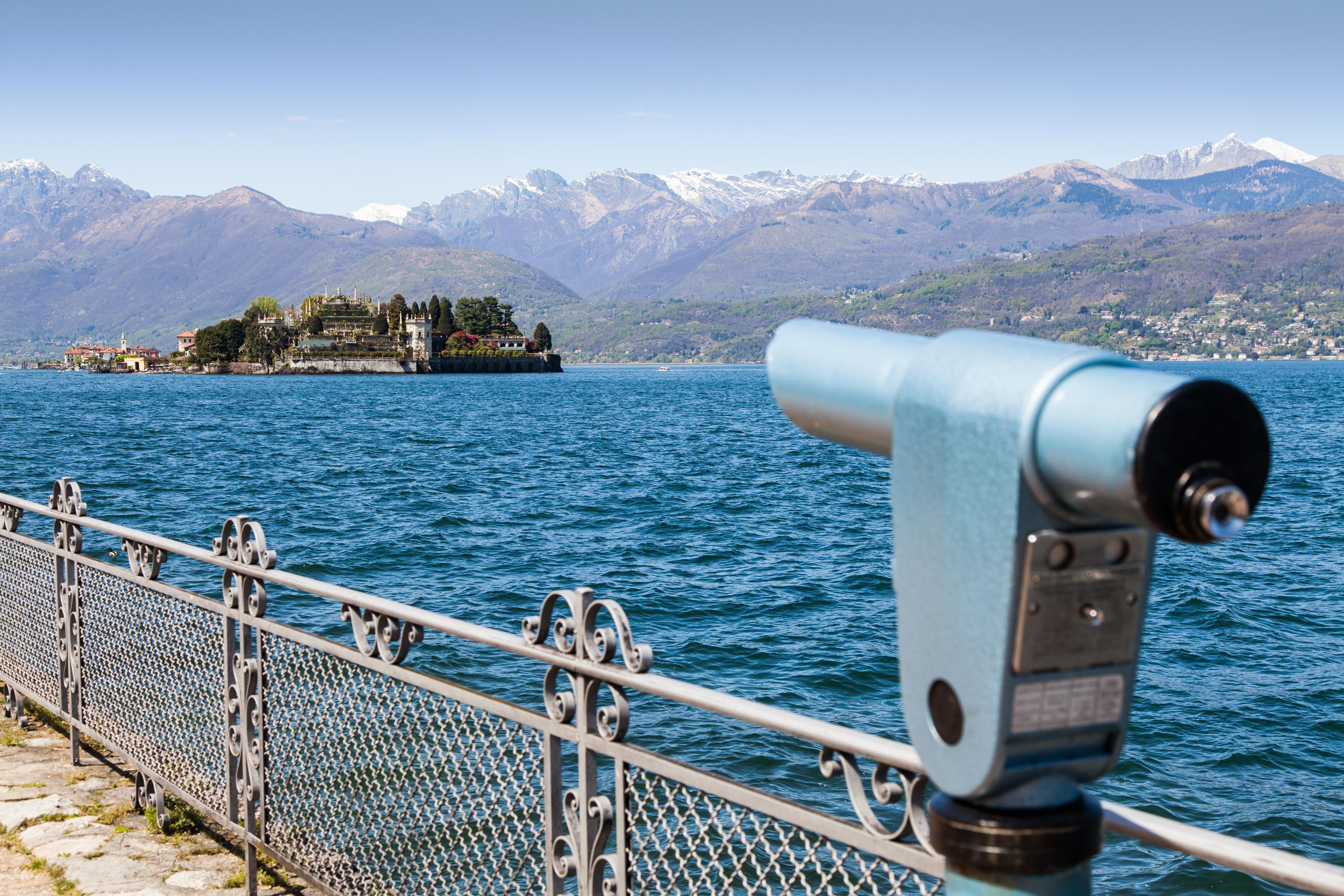 Descubre el vuelo libre de las aves rapaces en el cielo de los Alpes - Italia Circuito Norte de Italia: Lagos, Milán y Venecia