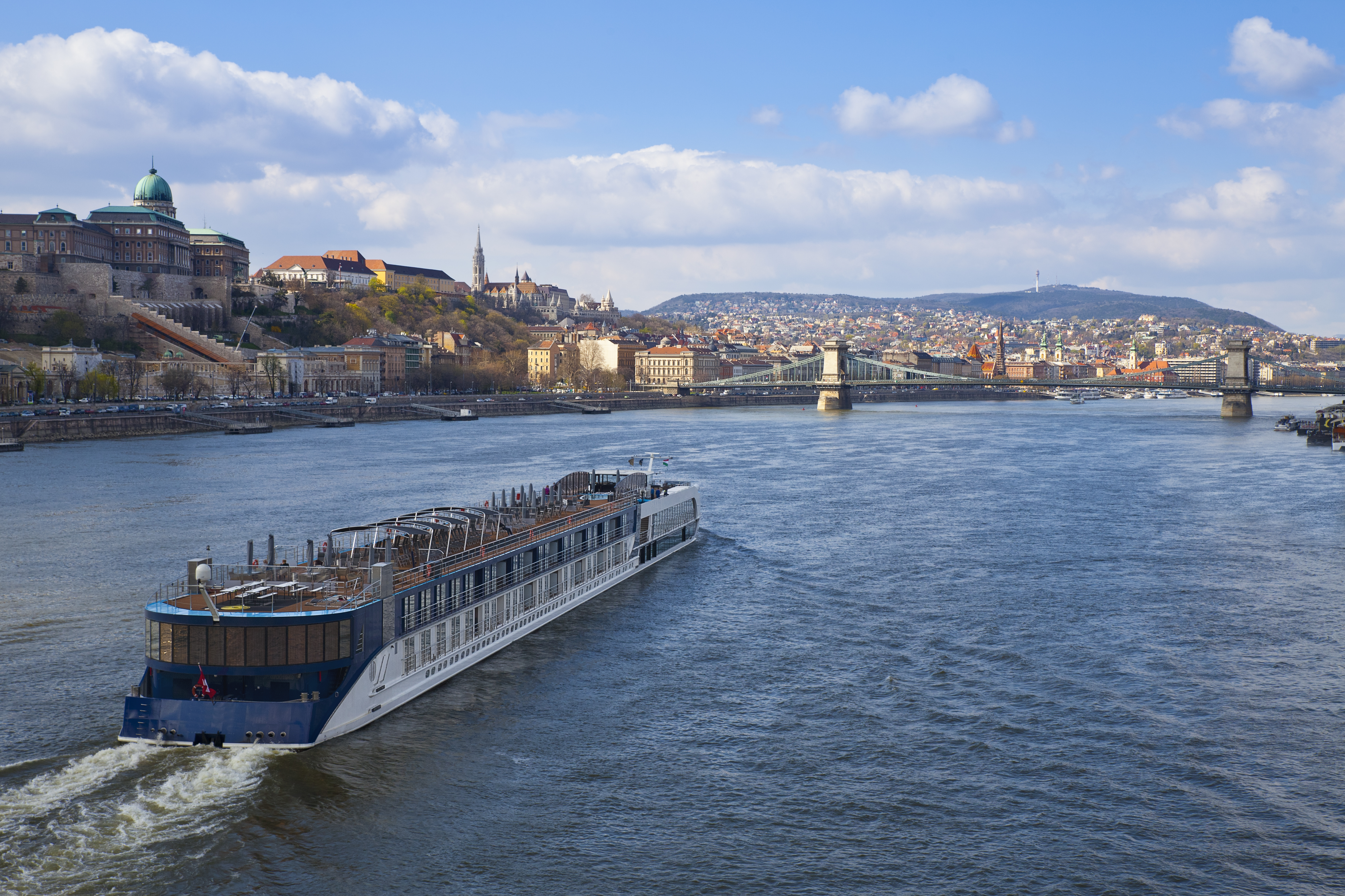 Recorriendo el río que divide Budapest en dos barrios con personalidad propia - Austria Circuito Viena y Budapest