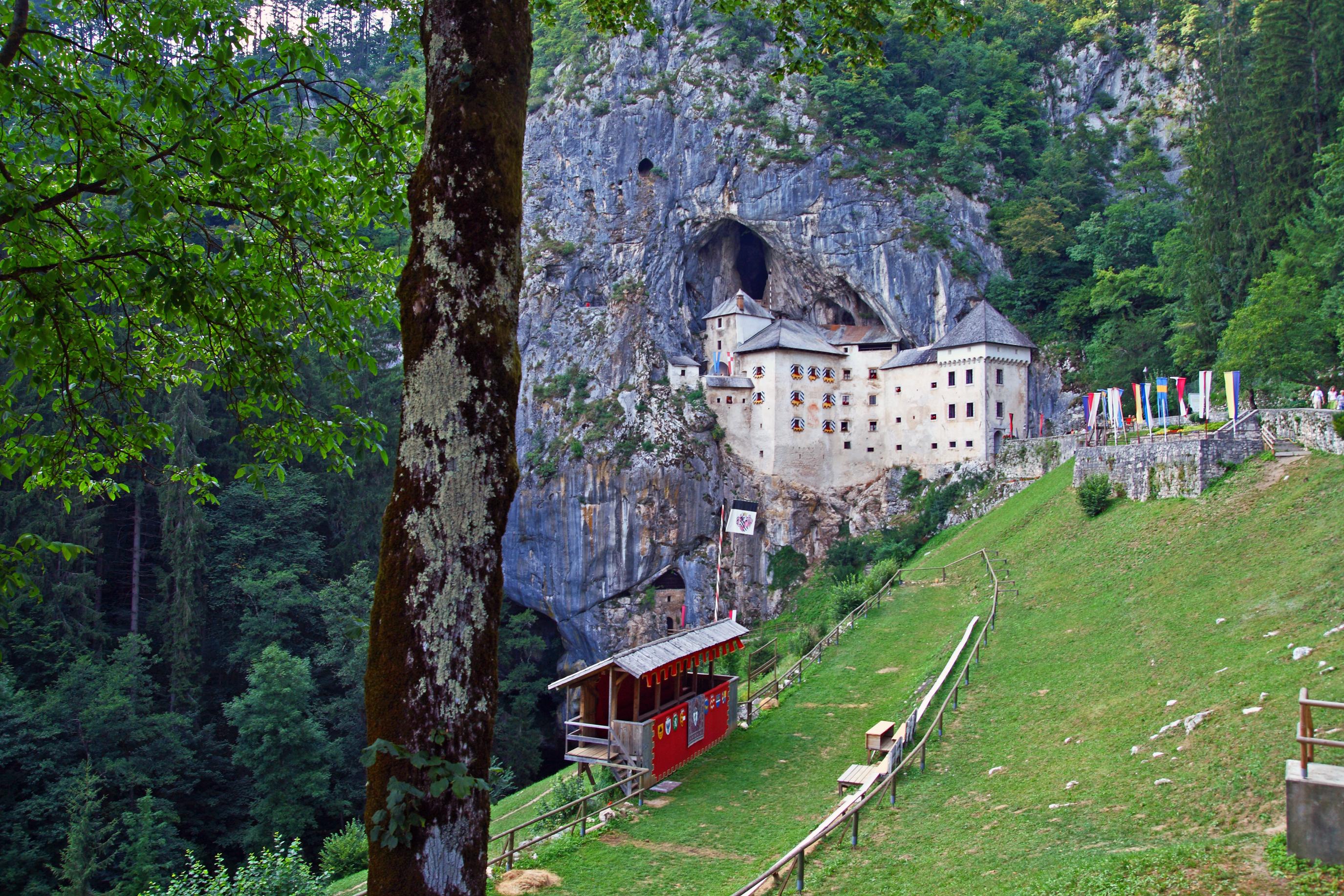 El tren más especial: ¡va por dentro de una cueva de cinco kilómetros! - Croacia Circuito Croacia y Eslovenia