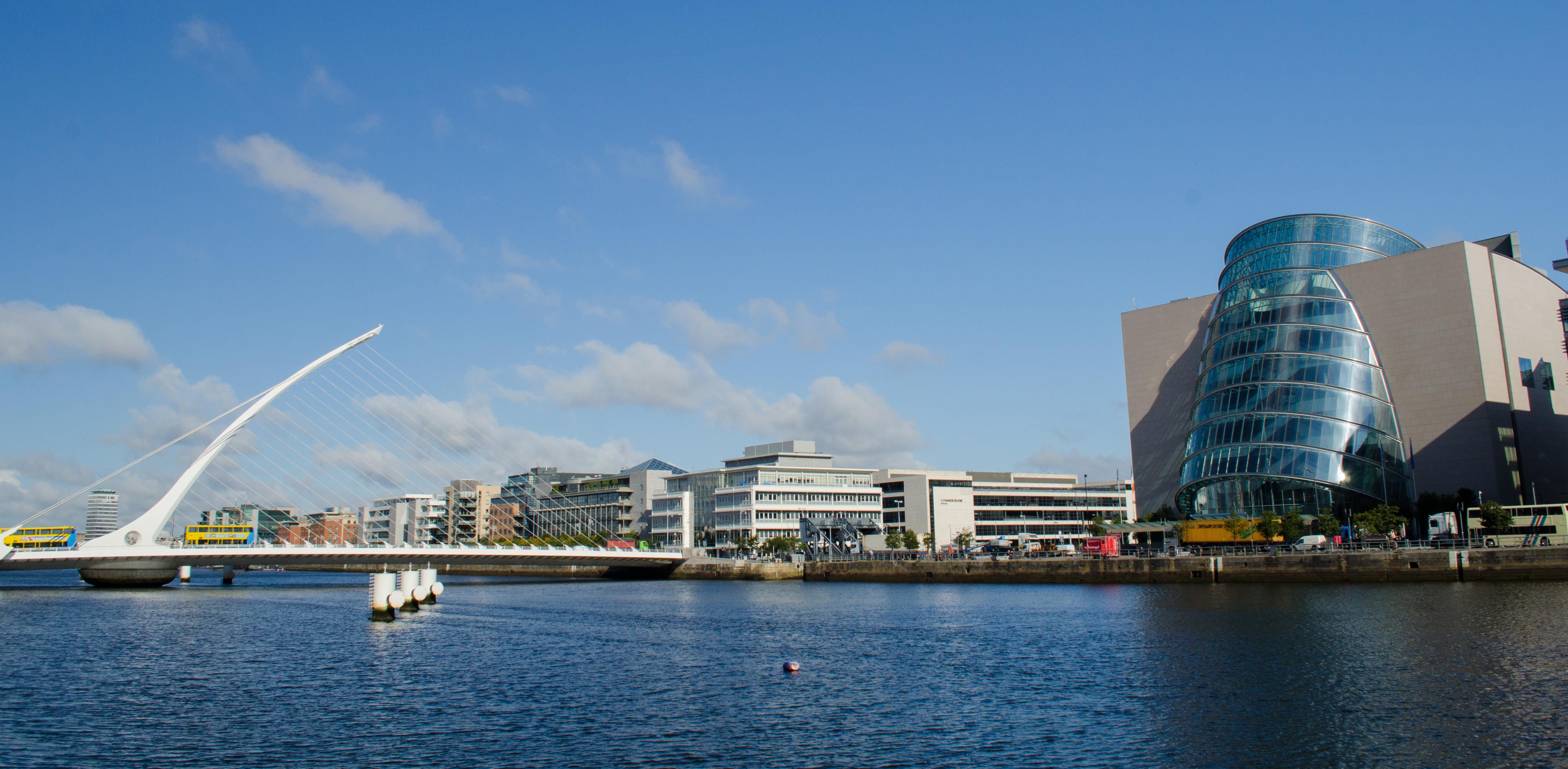 Realiza un paseo fluvial y descubre la ciudad vikinga desde el agua - Irlanda Circuito Irlanda Fantástica y Sur