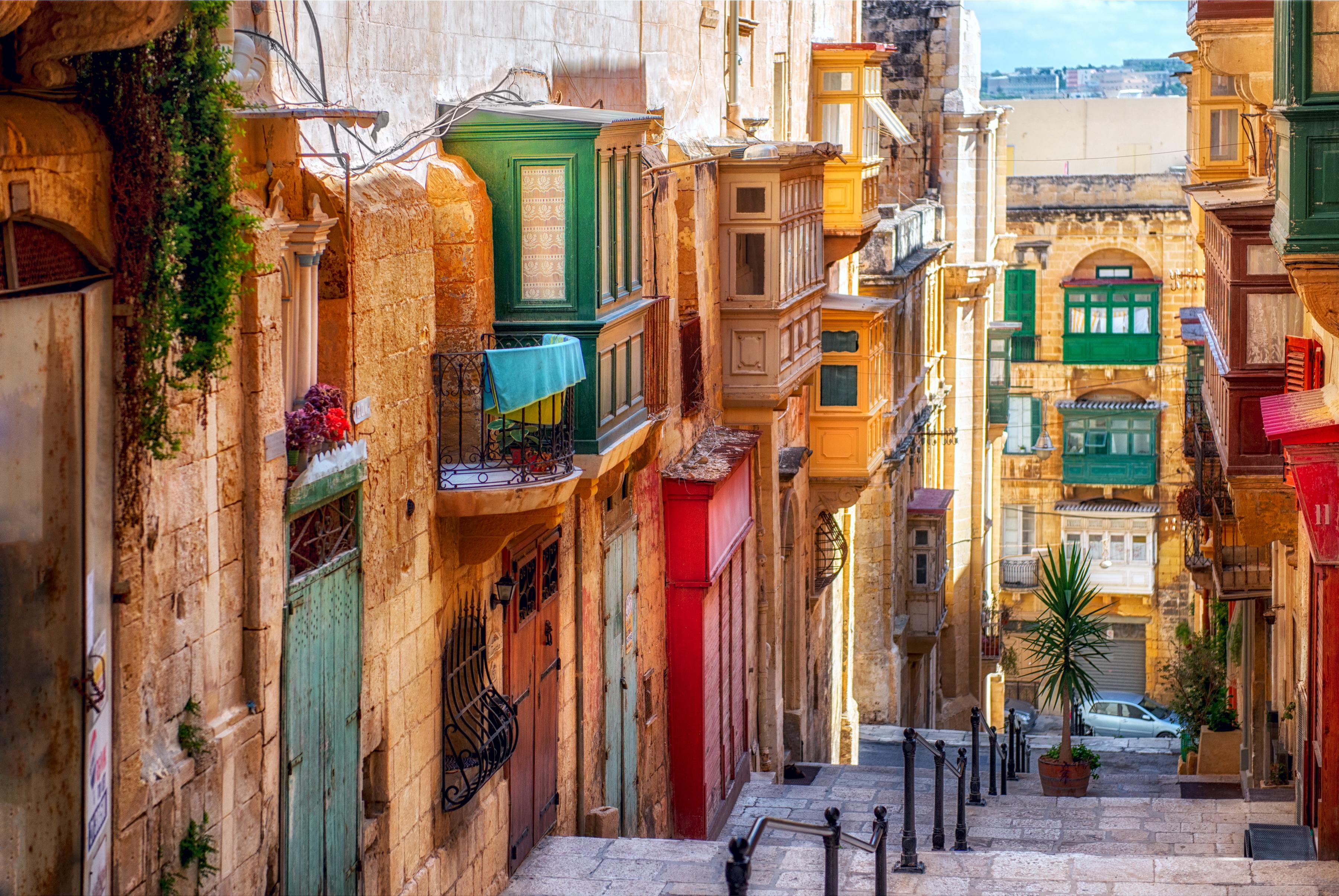Mira con ojos de futuro a la capital más pequeña de la Unión Europea - Malta Circuito Maravillas de Malta