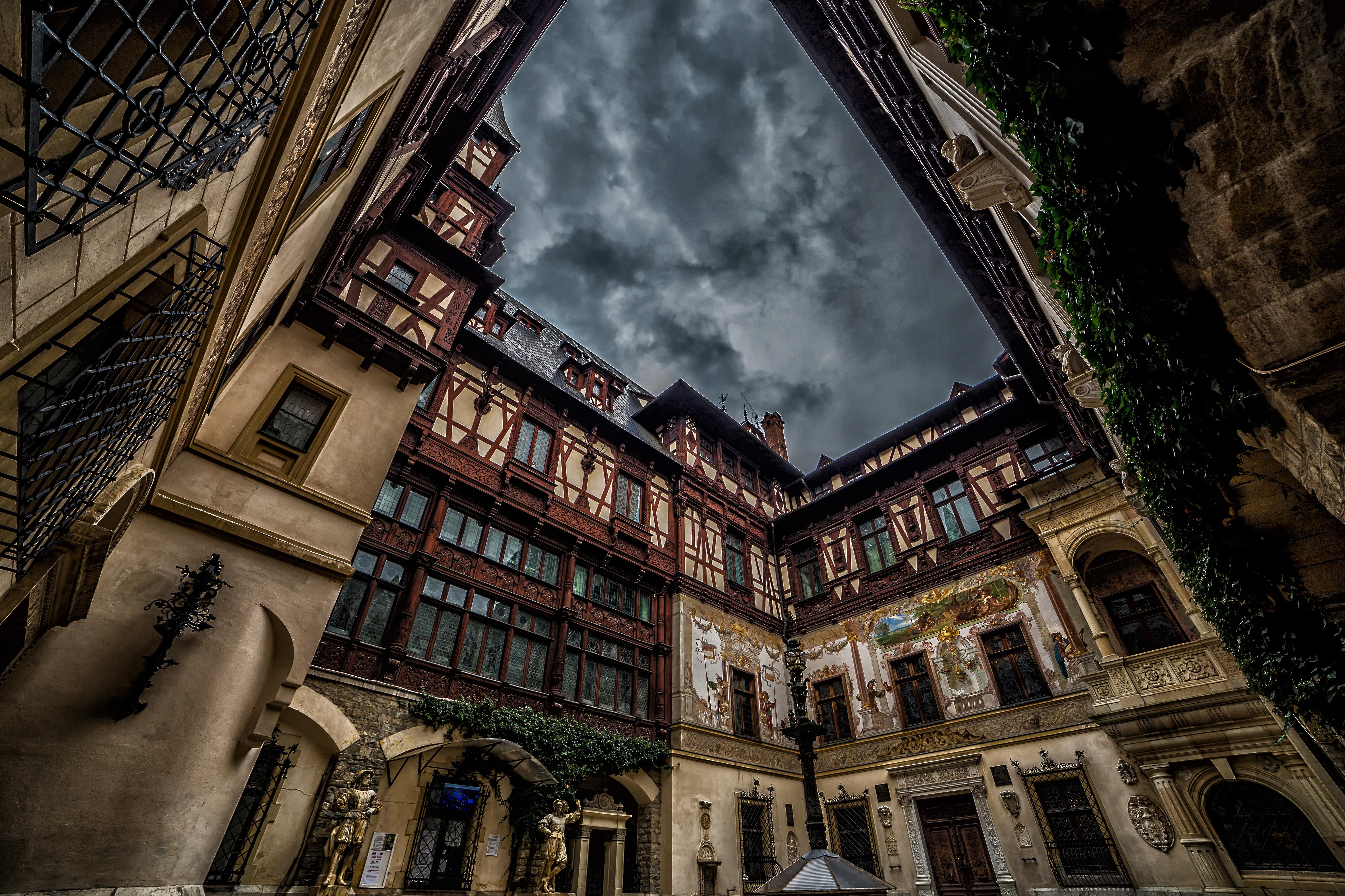 Un palacio de arquitectura neorrenacentista con toques sajones - Rumanía Circuito Rumanía histórica