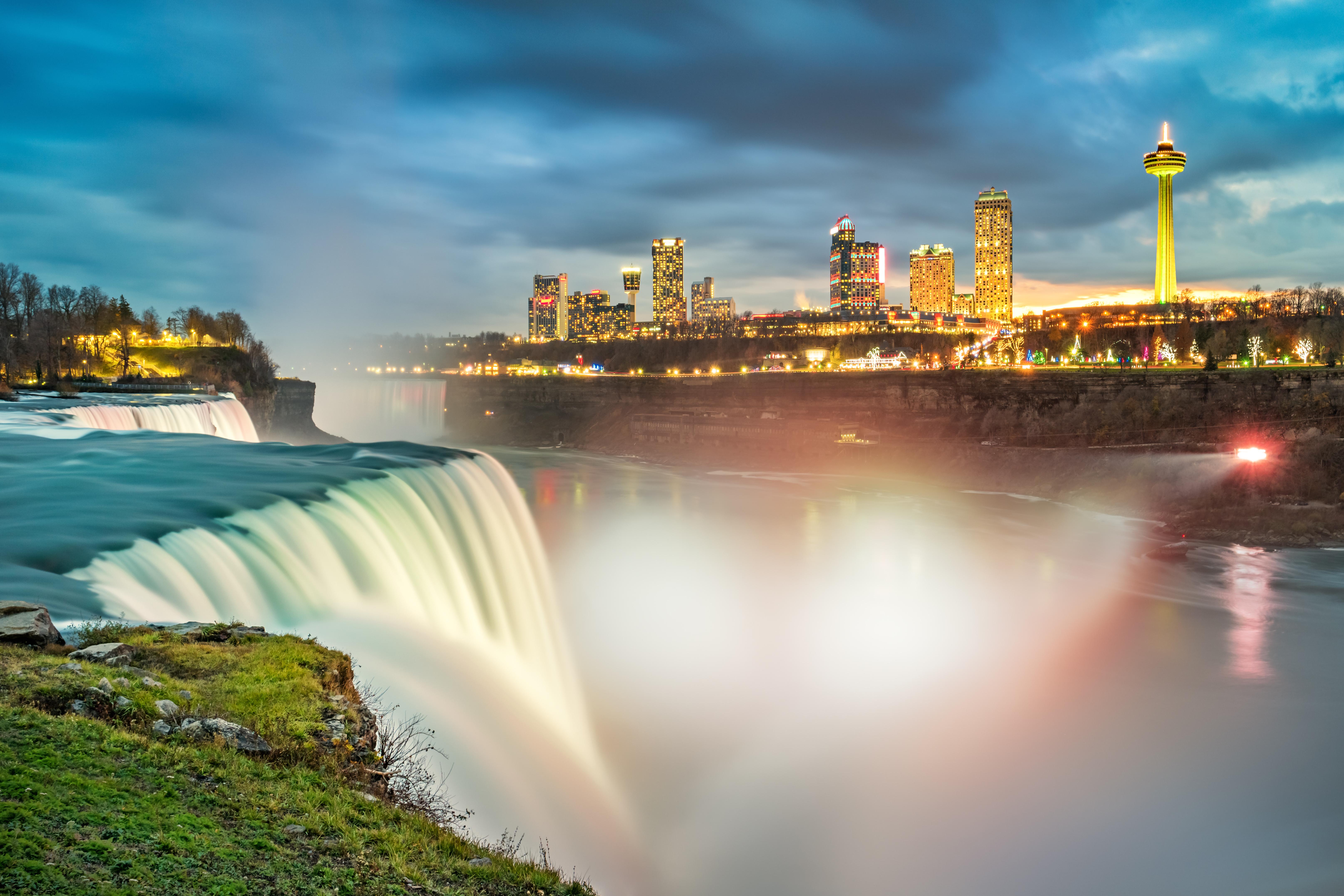 Ser espectador de las cataratas del Niágara - Estados Unidos Gran Viaje Nueva York y Canadá esencial