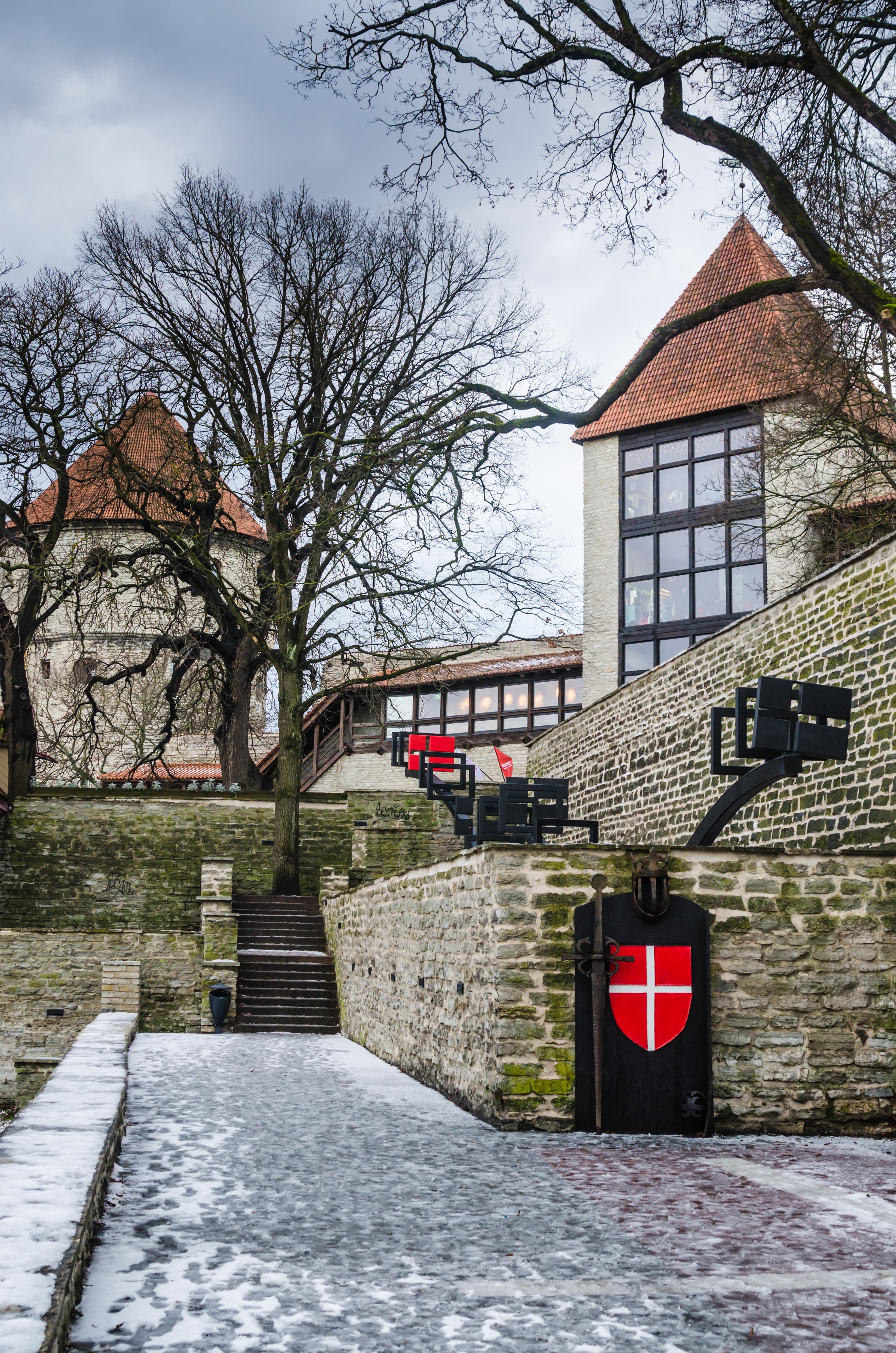 ¿Sabes cuál es la bandera más antigua del mundo? Nació en Tallin pero no es la de Estonia - Lituania Circuito Repúblicas Bálticas