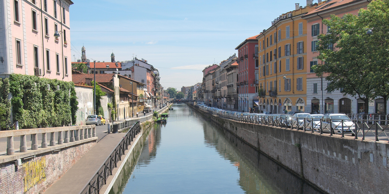 Descubre el antiguo puerto fluvial de Milán - Italia Circuito Lo mejor de los Dolomitas y Venecia