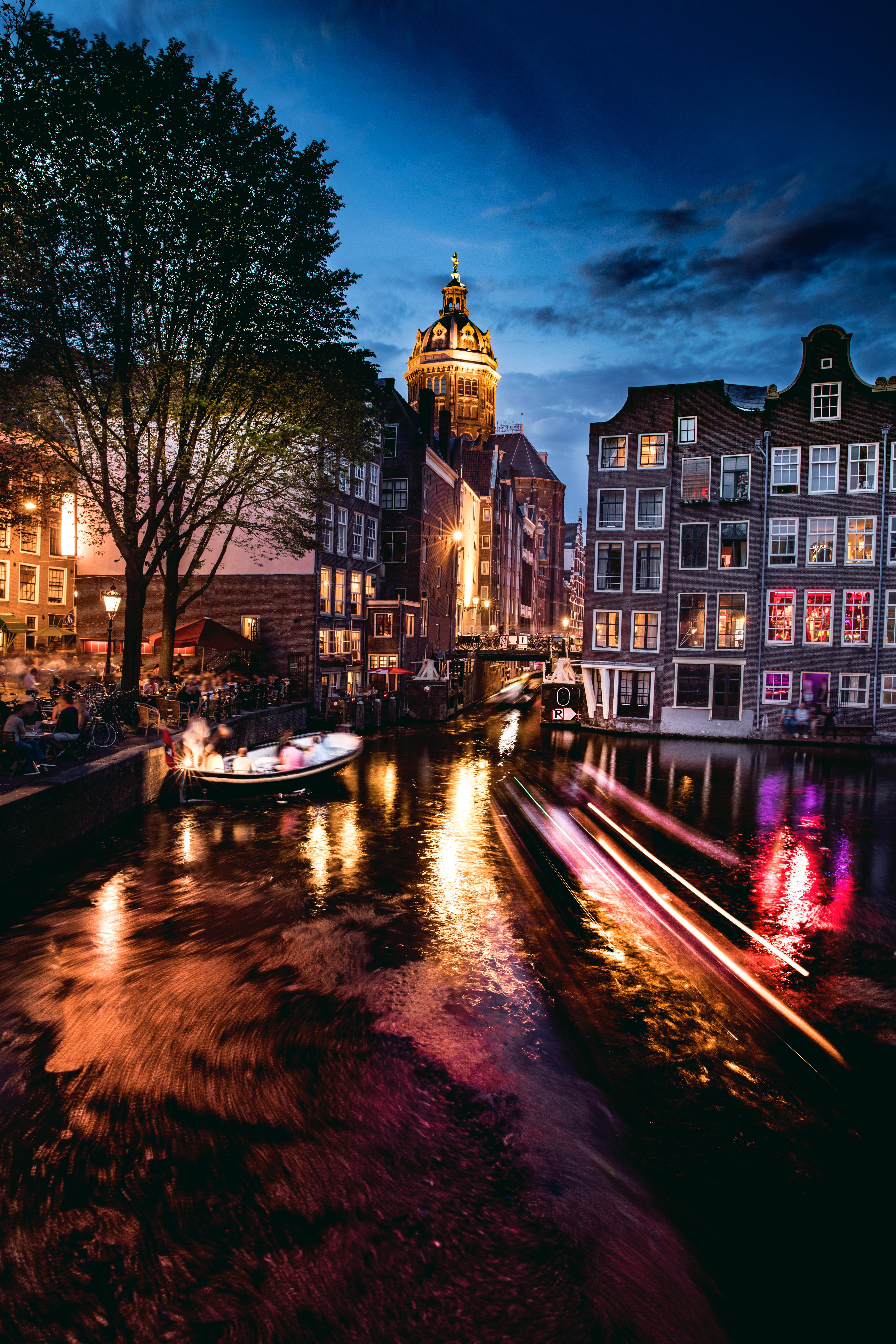 Alquila una canoa para pasear por los canales - Holanda Escapada Escapada a Ámsterdam