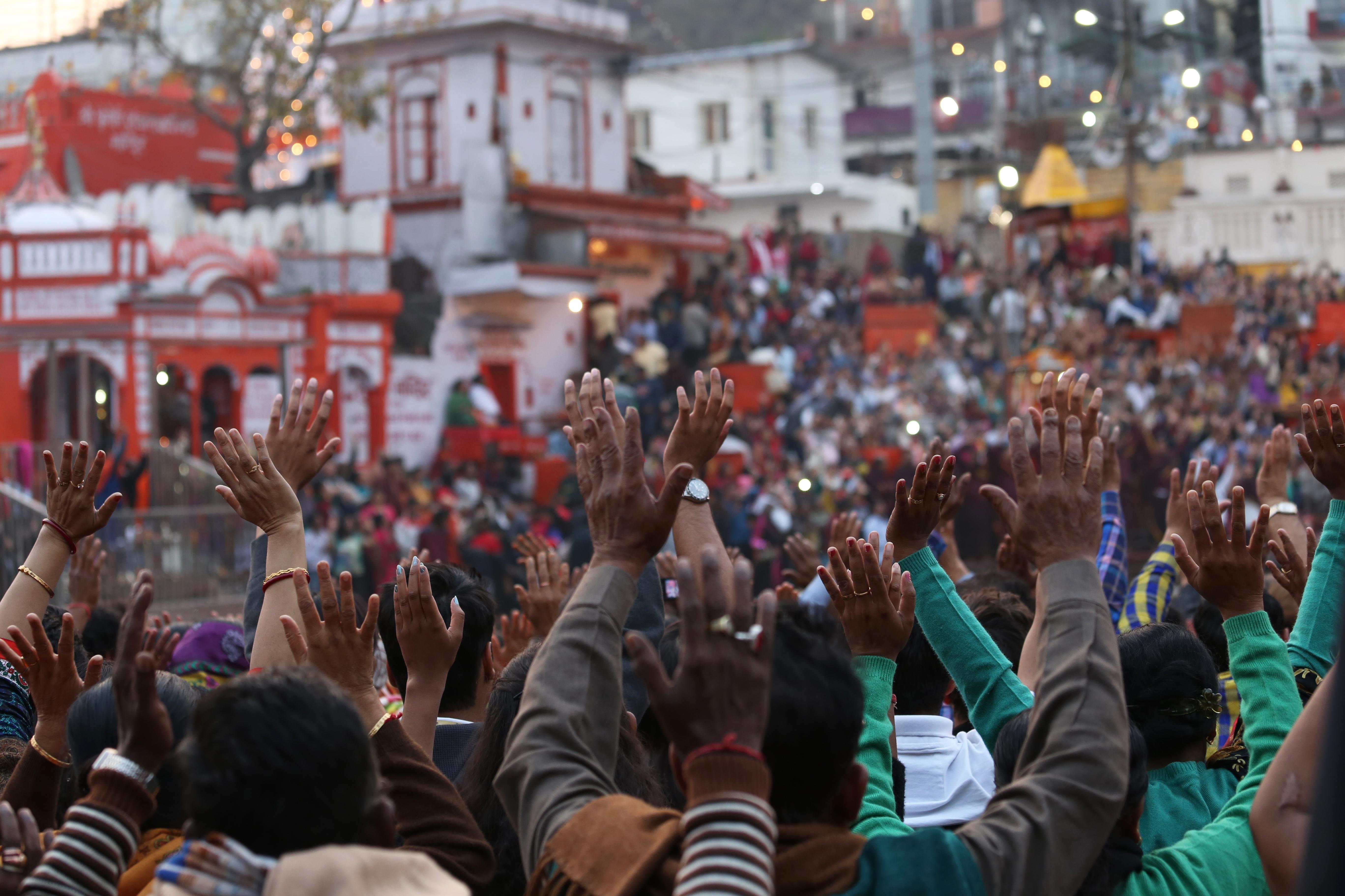 Ceremonia Aarti a orillas del Ganges - India Gran Viaje India Mística