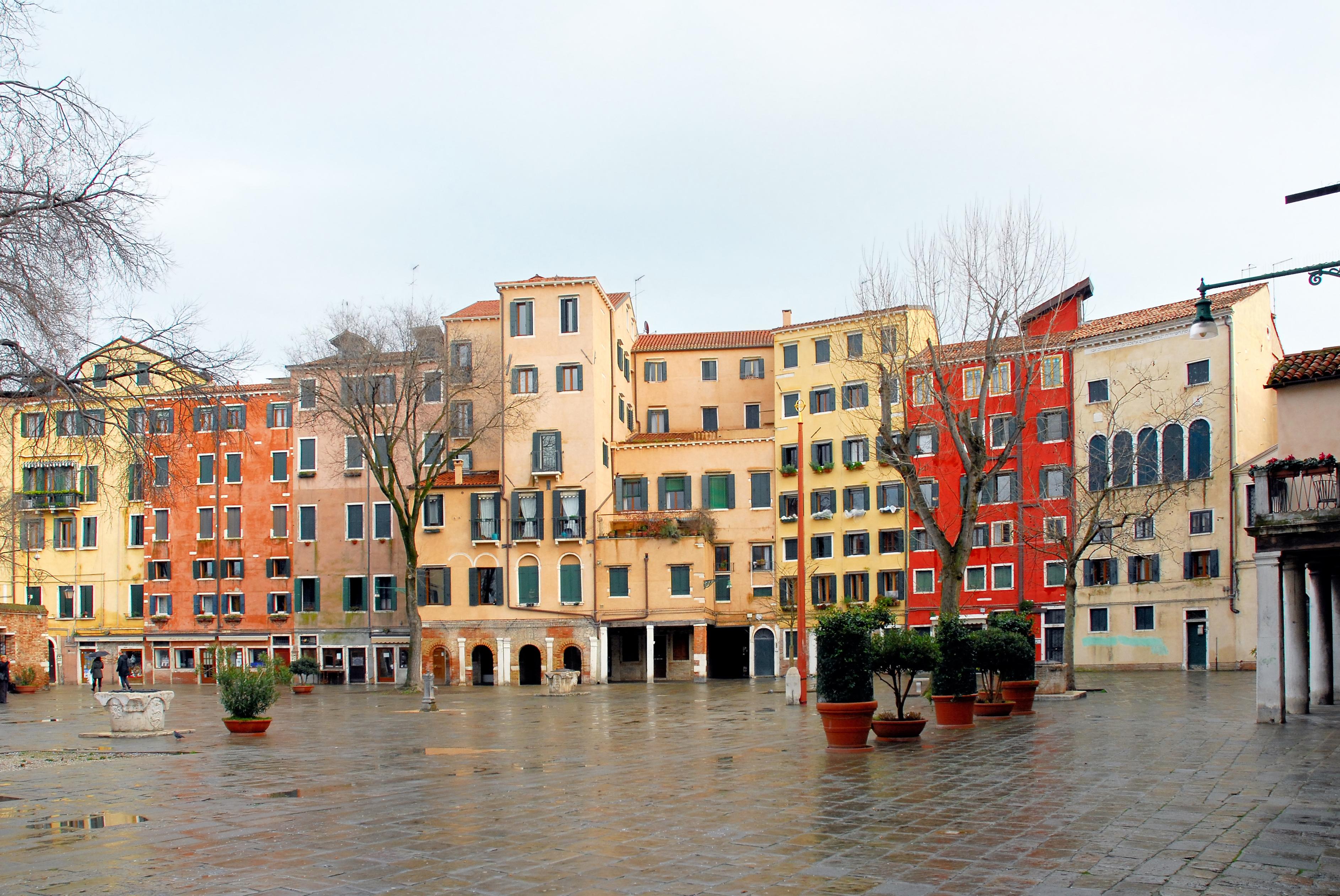 Disfrutar de un paseo en góndola y de un aperitivo en una típica bacari - Italia Circuito Italia Bella: de Milán a Roma