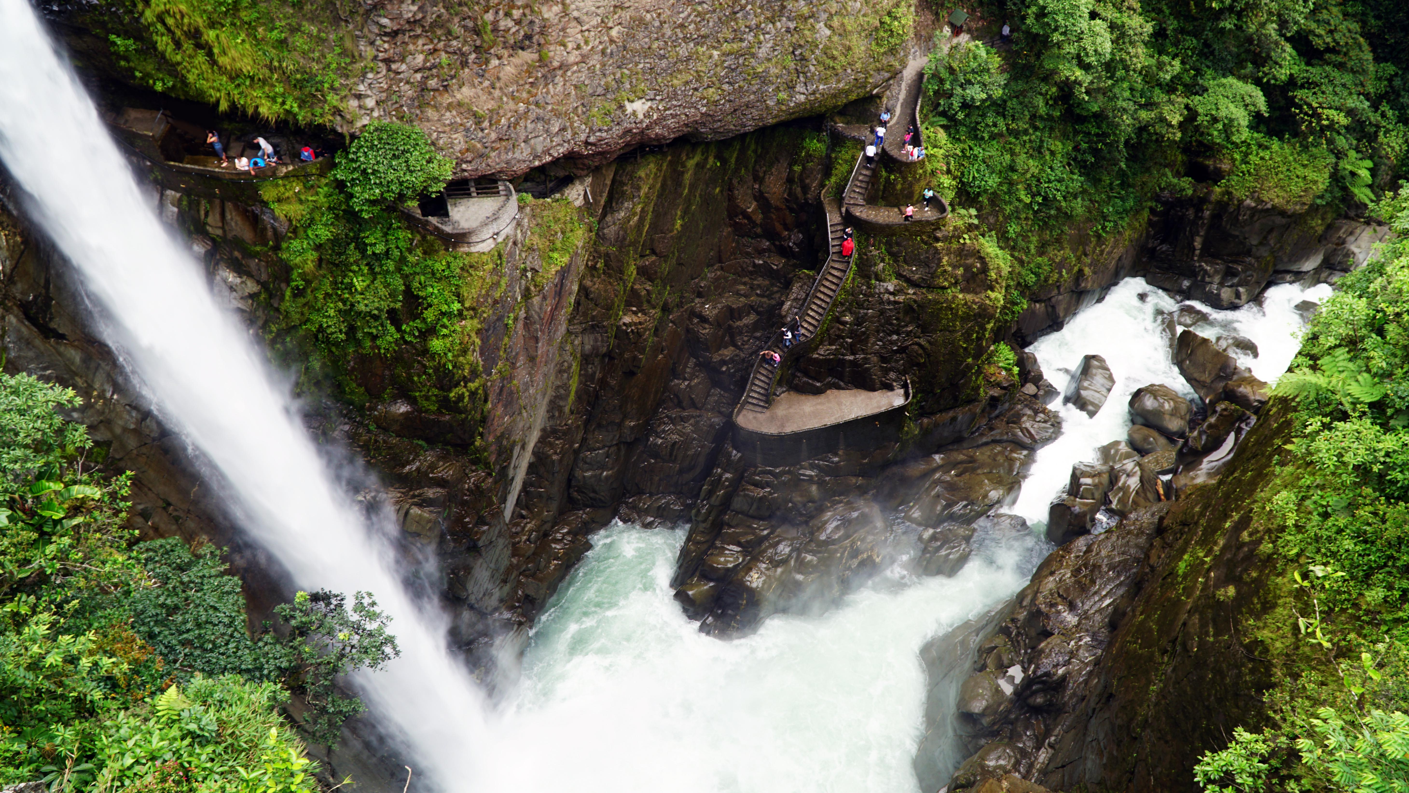 Ruta de las cascadas - Ecuador Gran Viaje De los Andes al Pacífico