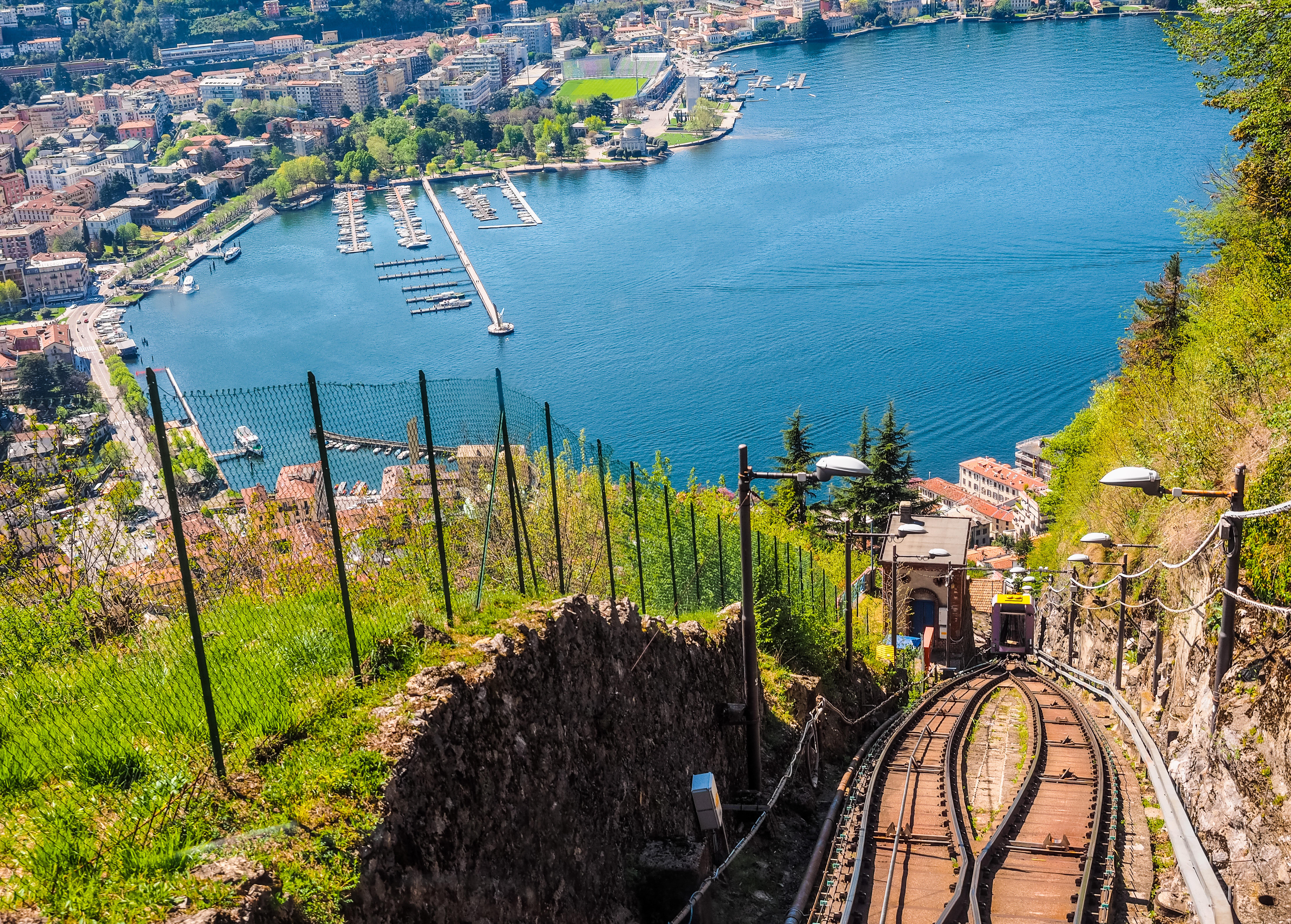 Viaja en el espectacular funicular a Brunate - Italia Circuito Norte de Italia: Lagos, Milán y Venecia