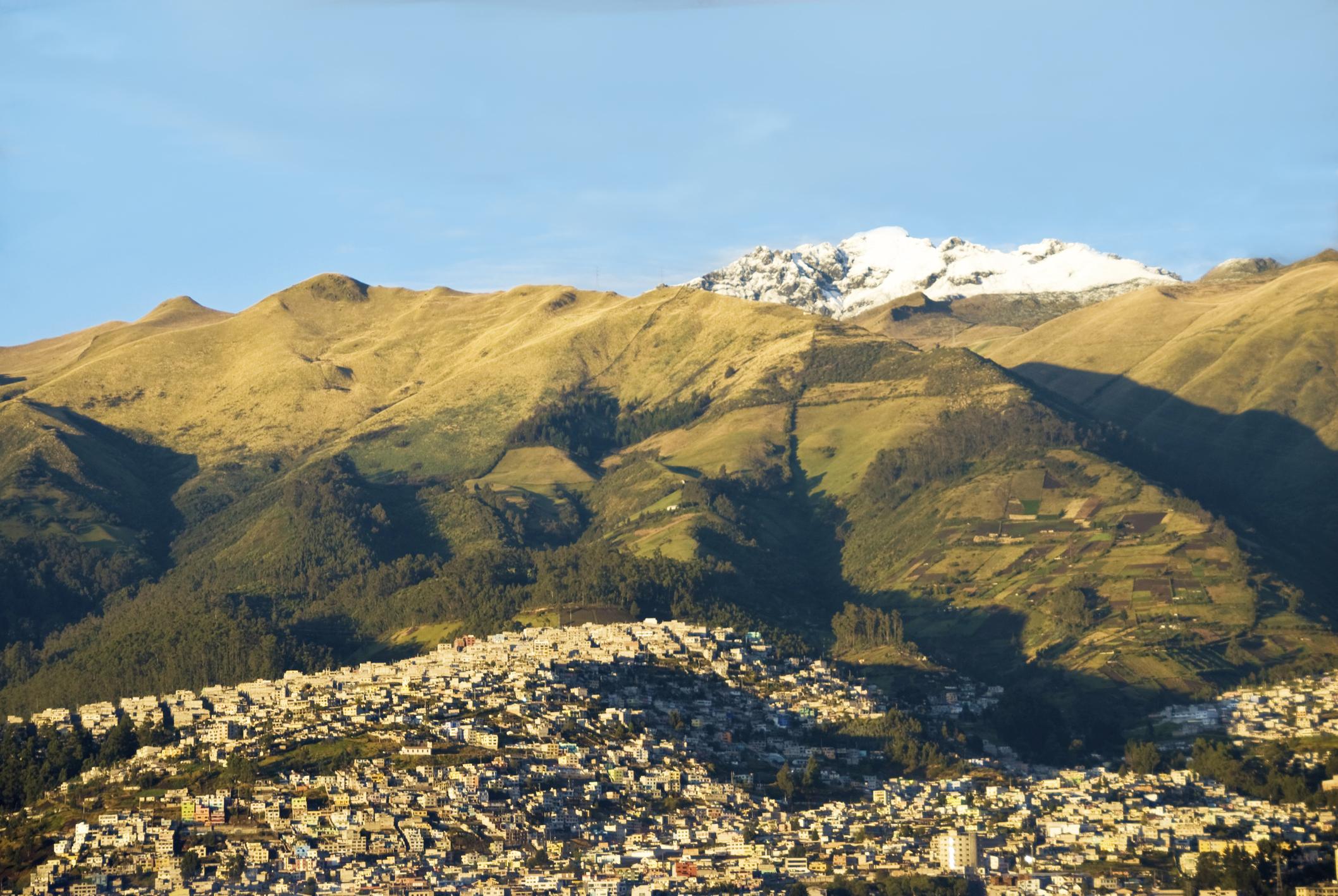 Conquista el cielo de Sudamérica, un paisaje entre volcanes nevados - Ecuador Gran Viaje Descubrimiento del Ecuador