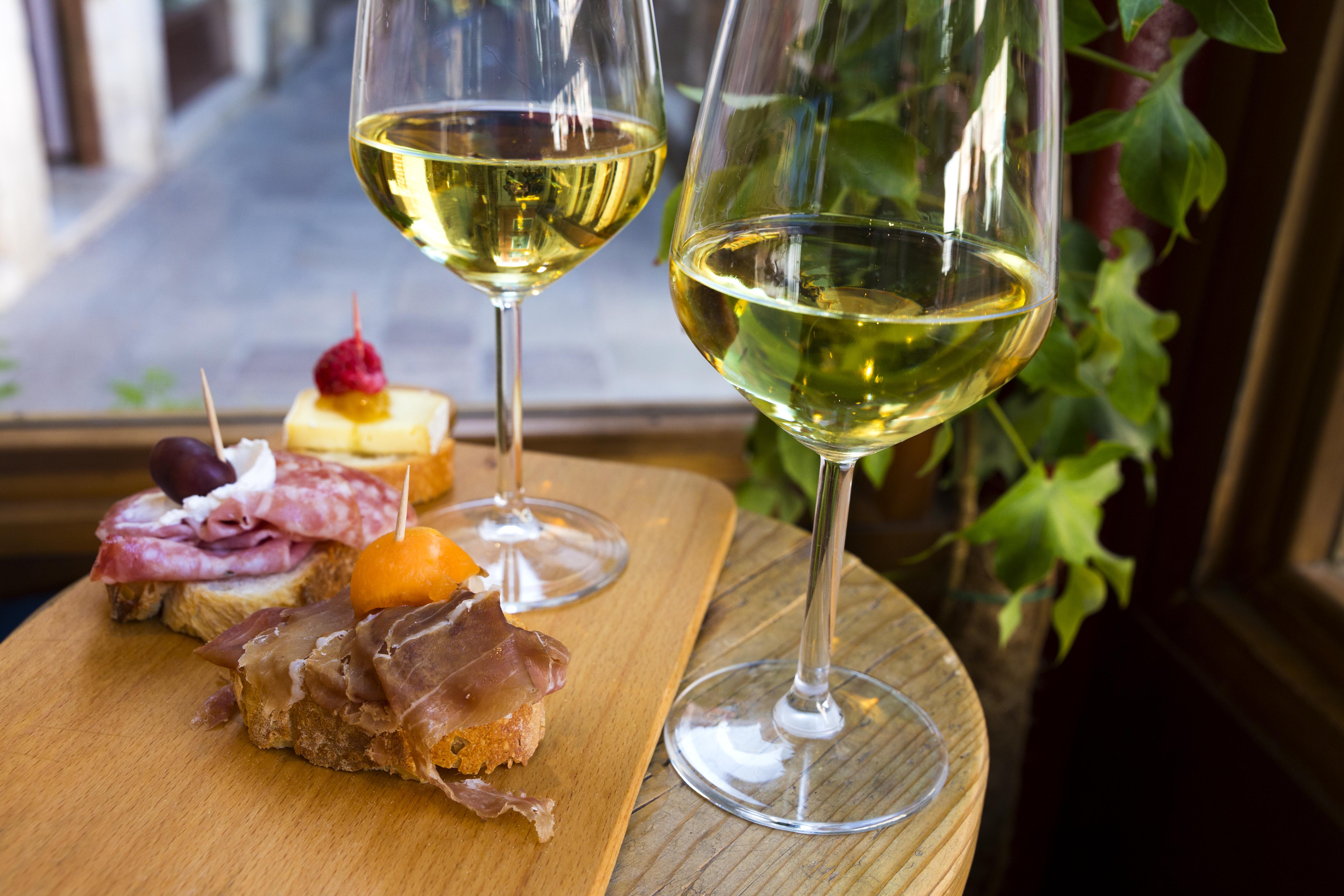 Come y bebe los manjares tradicionales de la laguna veneciana. ¡Bon appetit! - Italia Circuito Italia Clásica I y Costa Azul