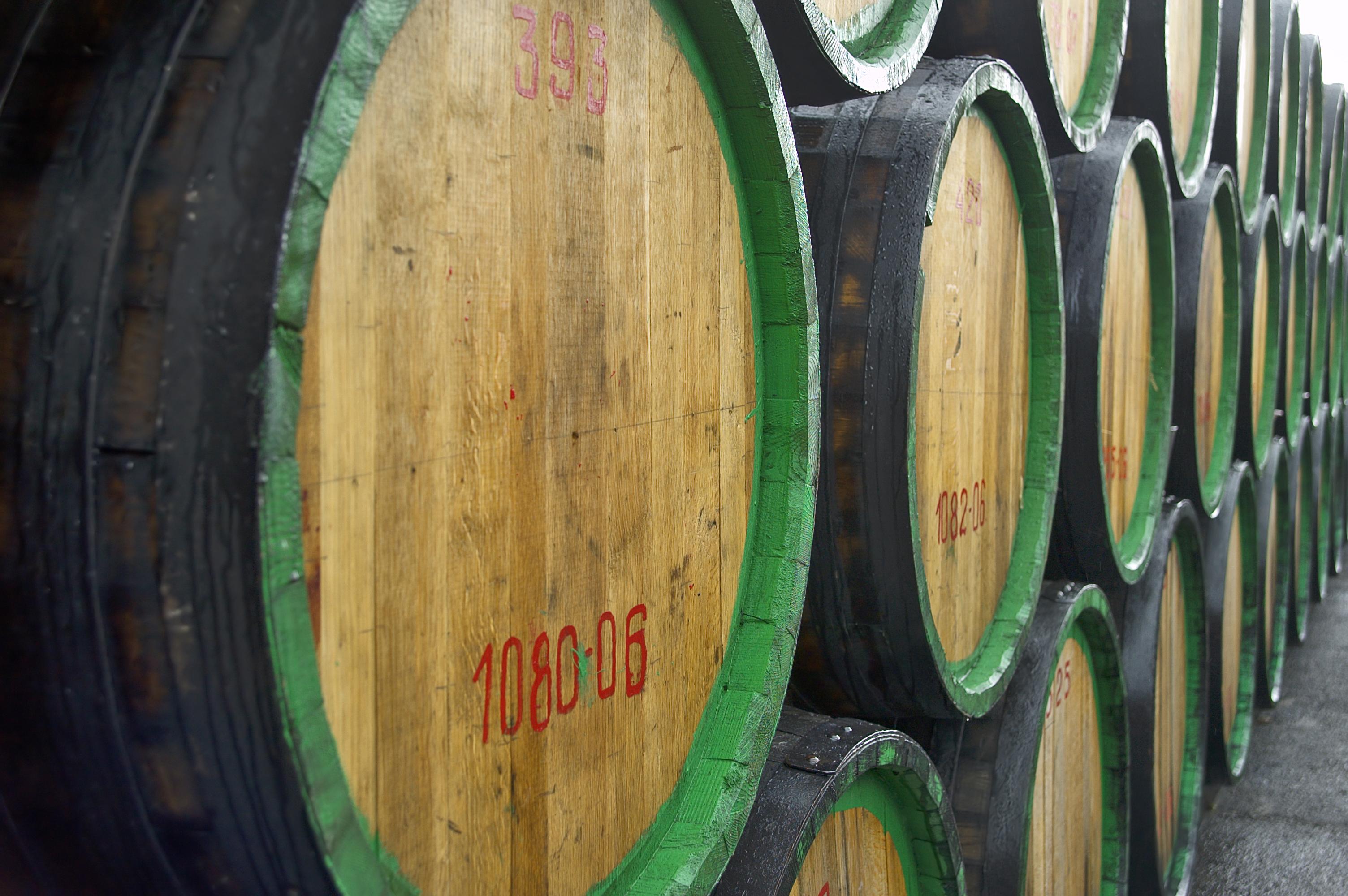 Degusta uno de los vinos más famosos del mundo - Portugal Circuito Madeira a fondo