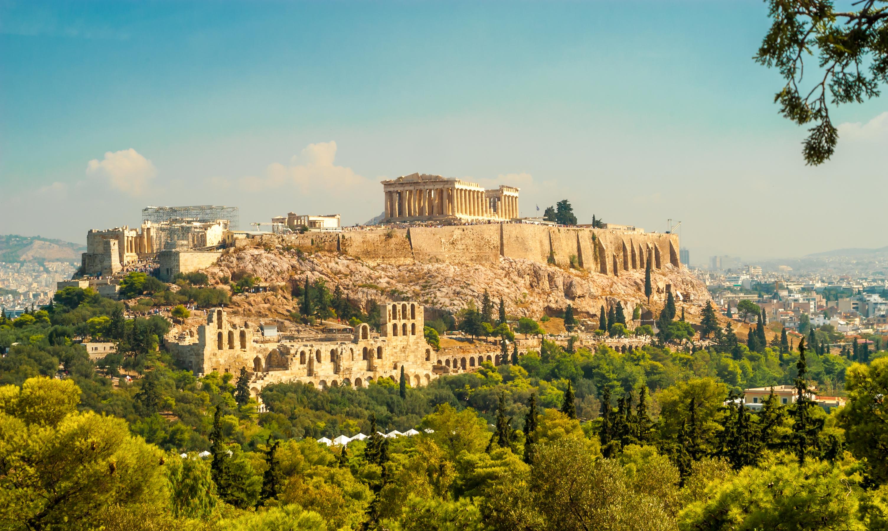 Mira a los ojos de las mujeres más bellas de Atenas - Grecia Circuito Grecia Milenaria, Santorini y Mykonos