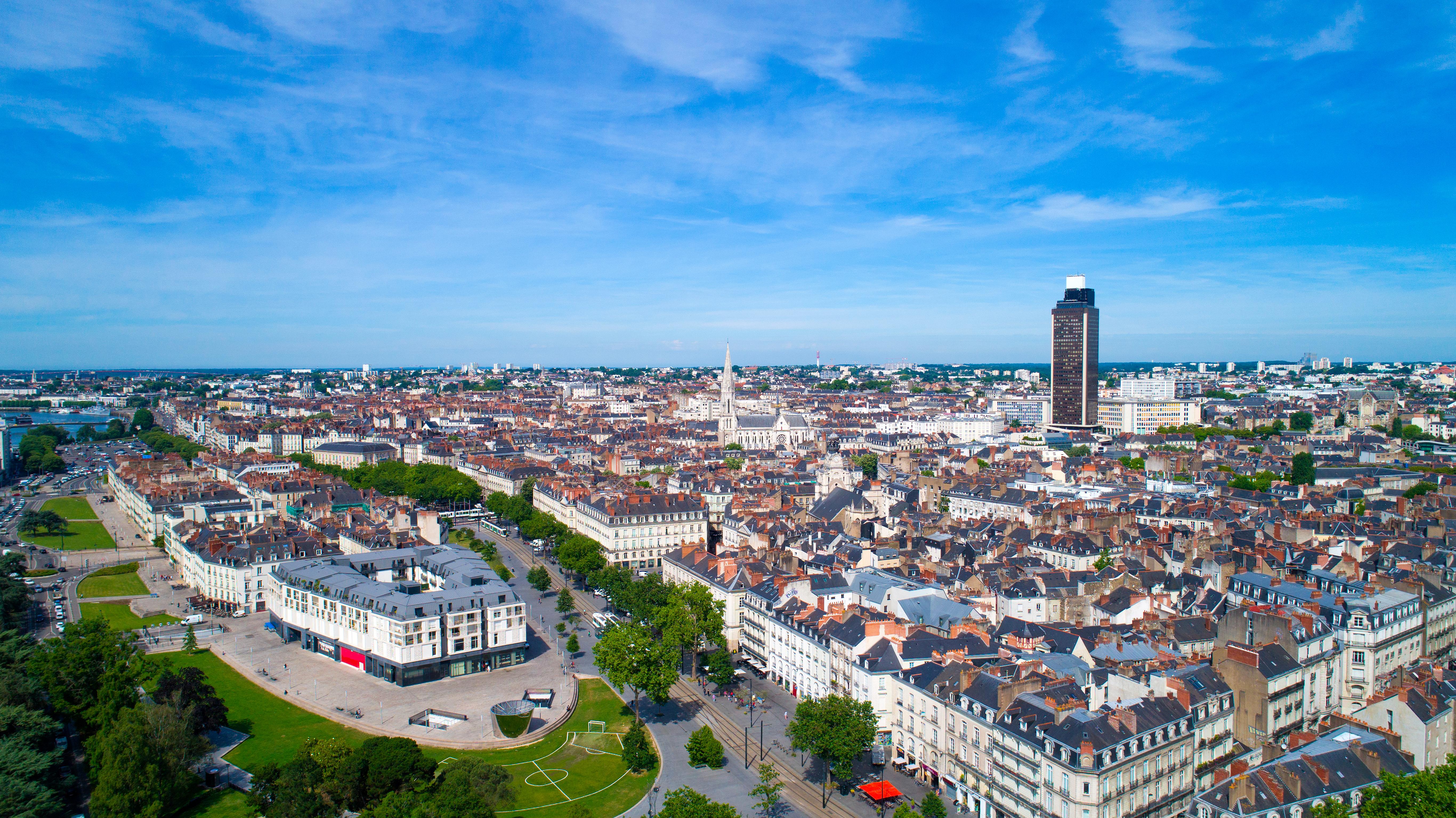La experiencia de subir a la Torre Bretaña en Nantes - Francia Circuito Gran Tour de Normandia y Bretaña