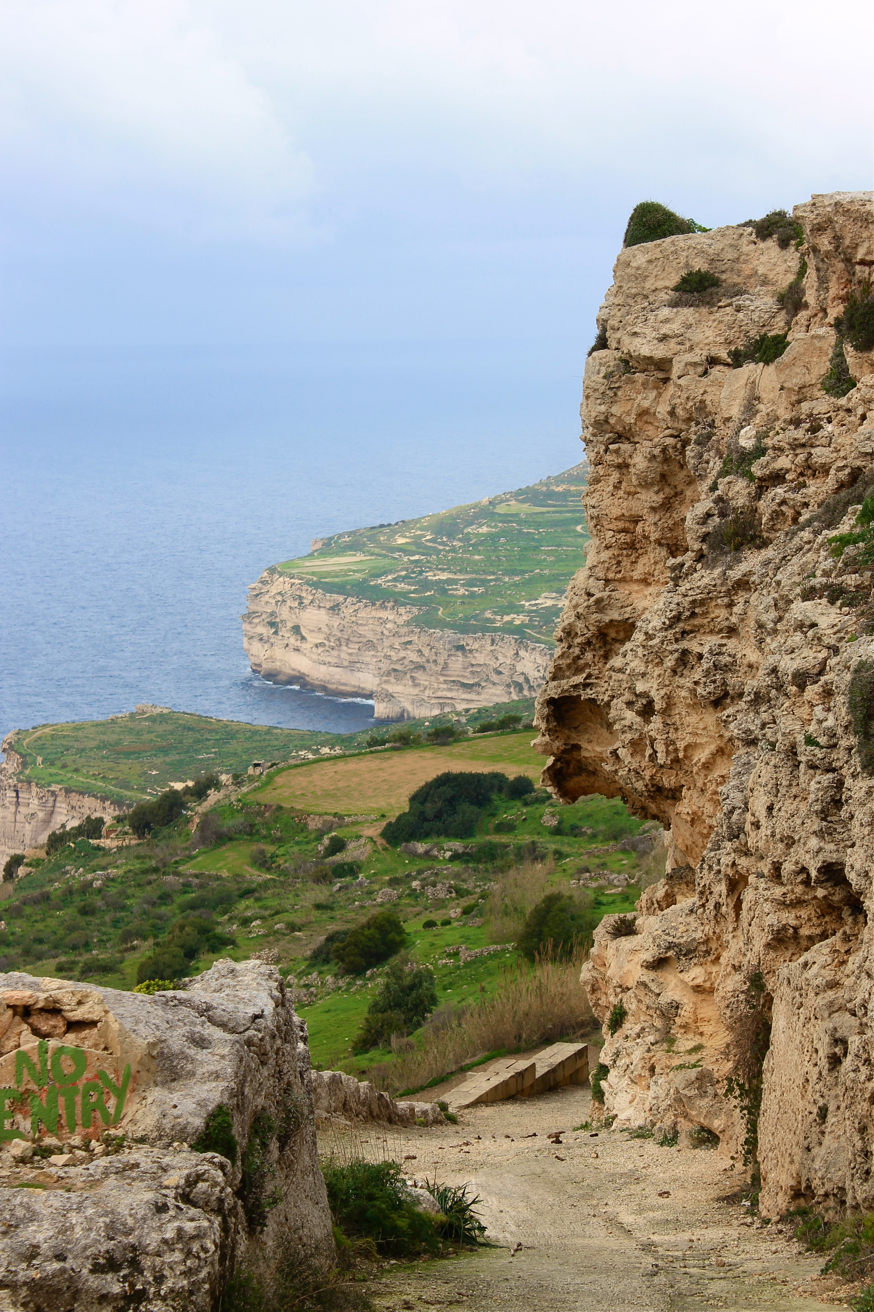Conviértete en detective y adivina el misterio de los surcos prehistóricos - Malta Circuito Maravillas de Malta