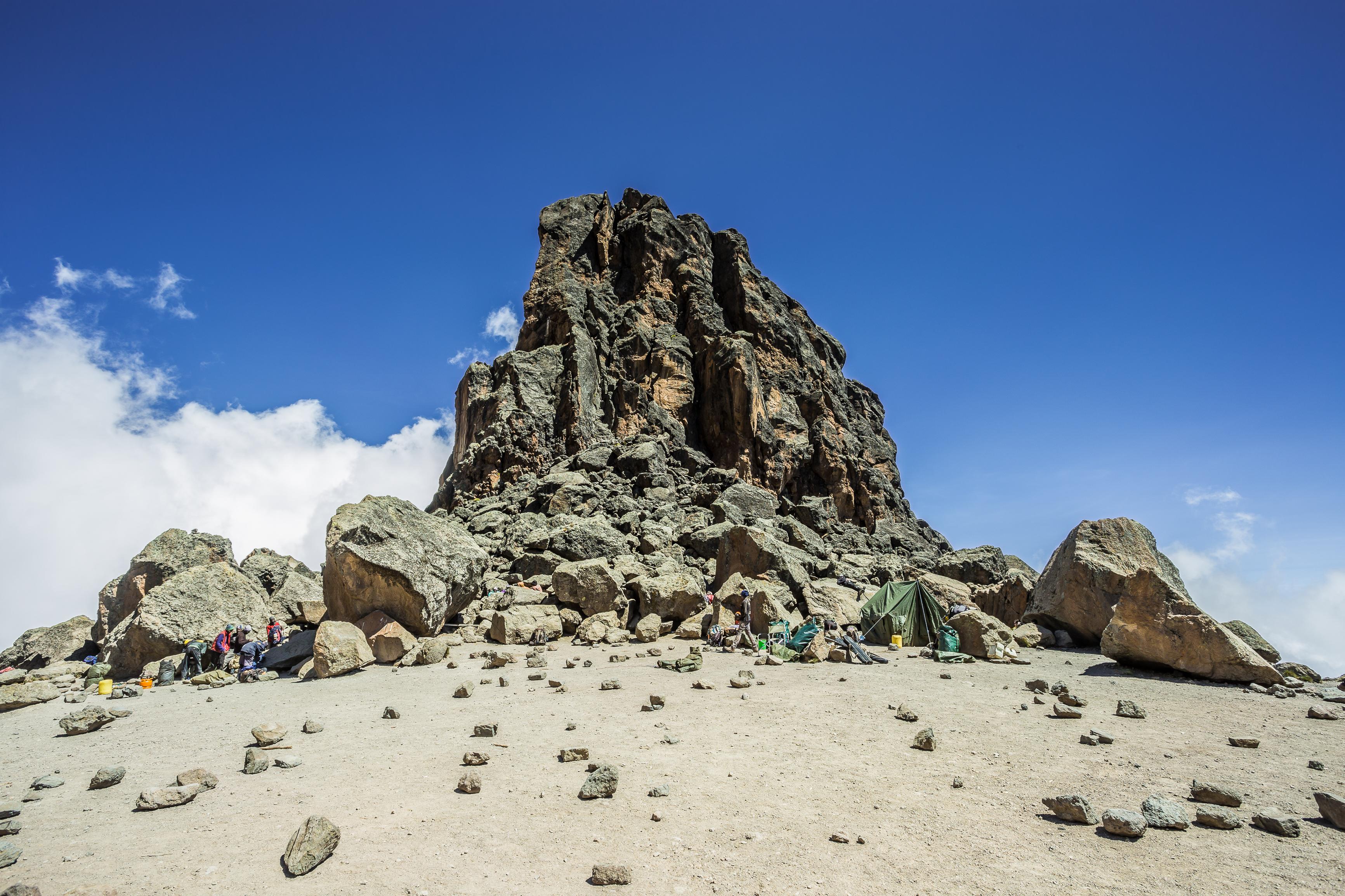 Conocemos cuando el Kilimanjaro fue un volcán - Tanzania Gran Viaje Ascensión al Kilimanjaro: Ruta Machame