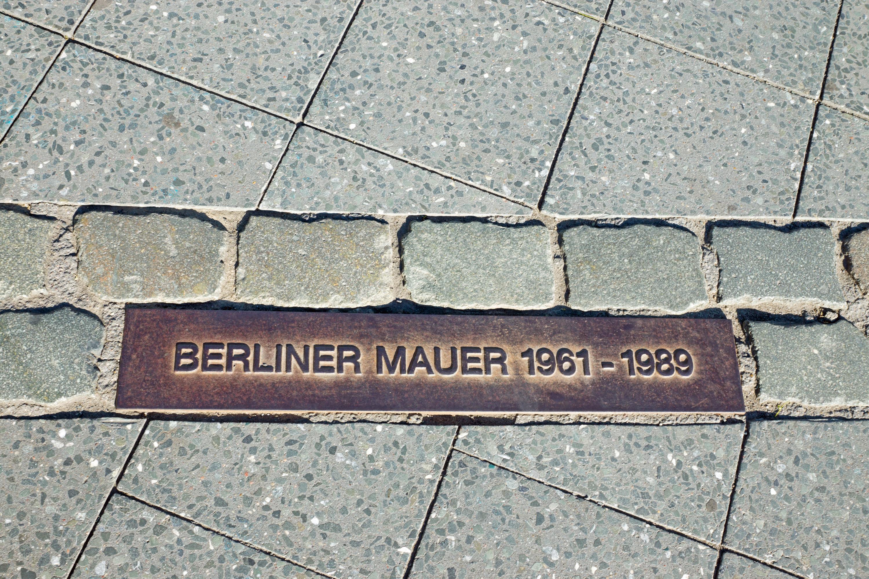 Revive los episodios de la Guerra Fría en el famoso Muro de Berlín - Alemania Circuito Berlín y Europa Imperial