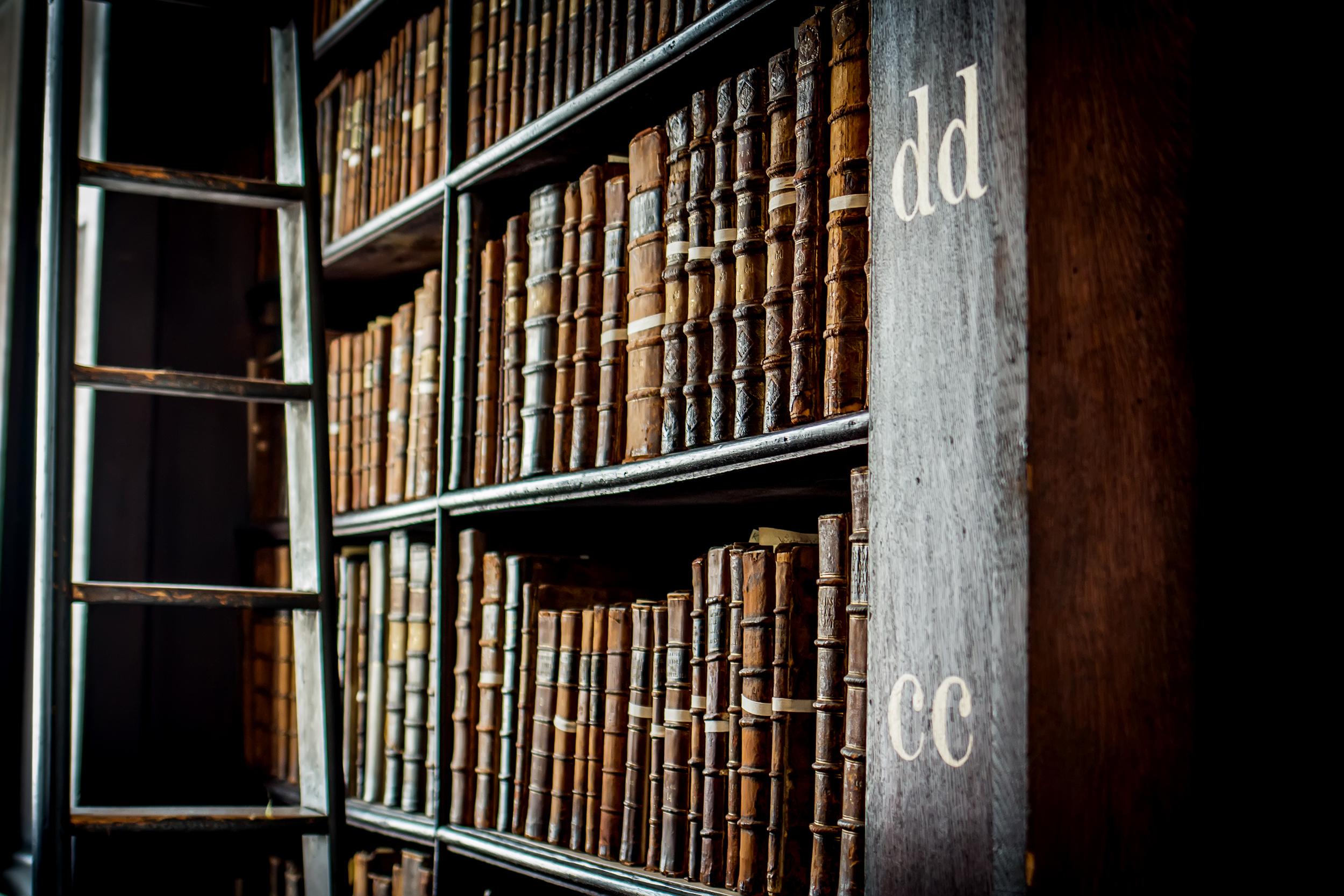 El Libro de Kells, una de las mayores obras de literatura religiosa de la Edad Media - Irlanda Circuito Irlanda y Escocia
