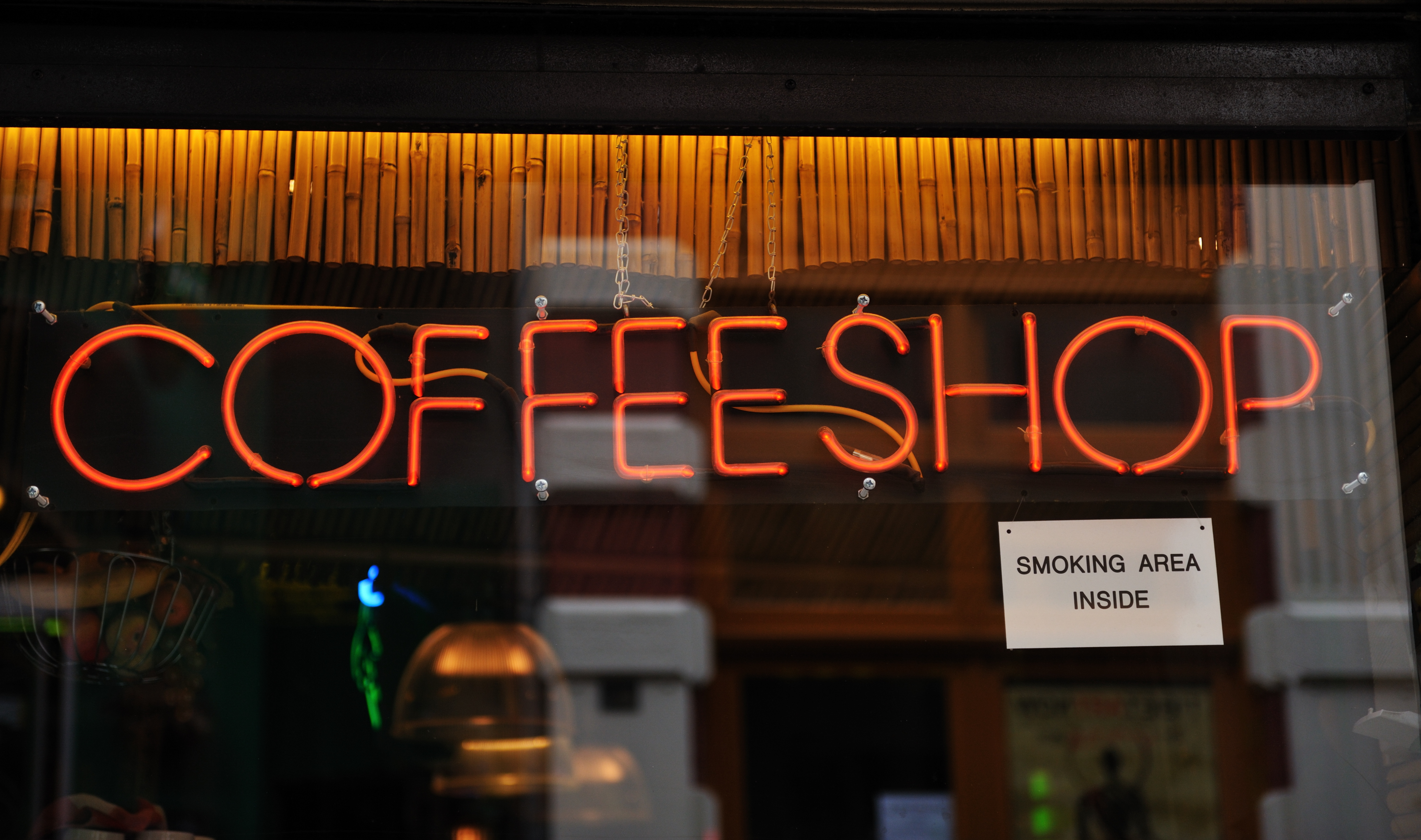 Ya que estás en Ámsterdam, visita un coffee shop - Holanda Escapada Escapada a Ámsterdam