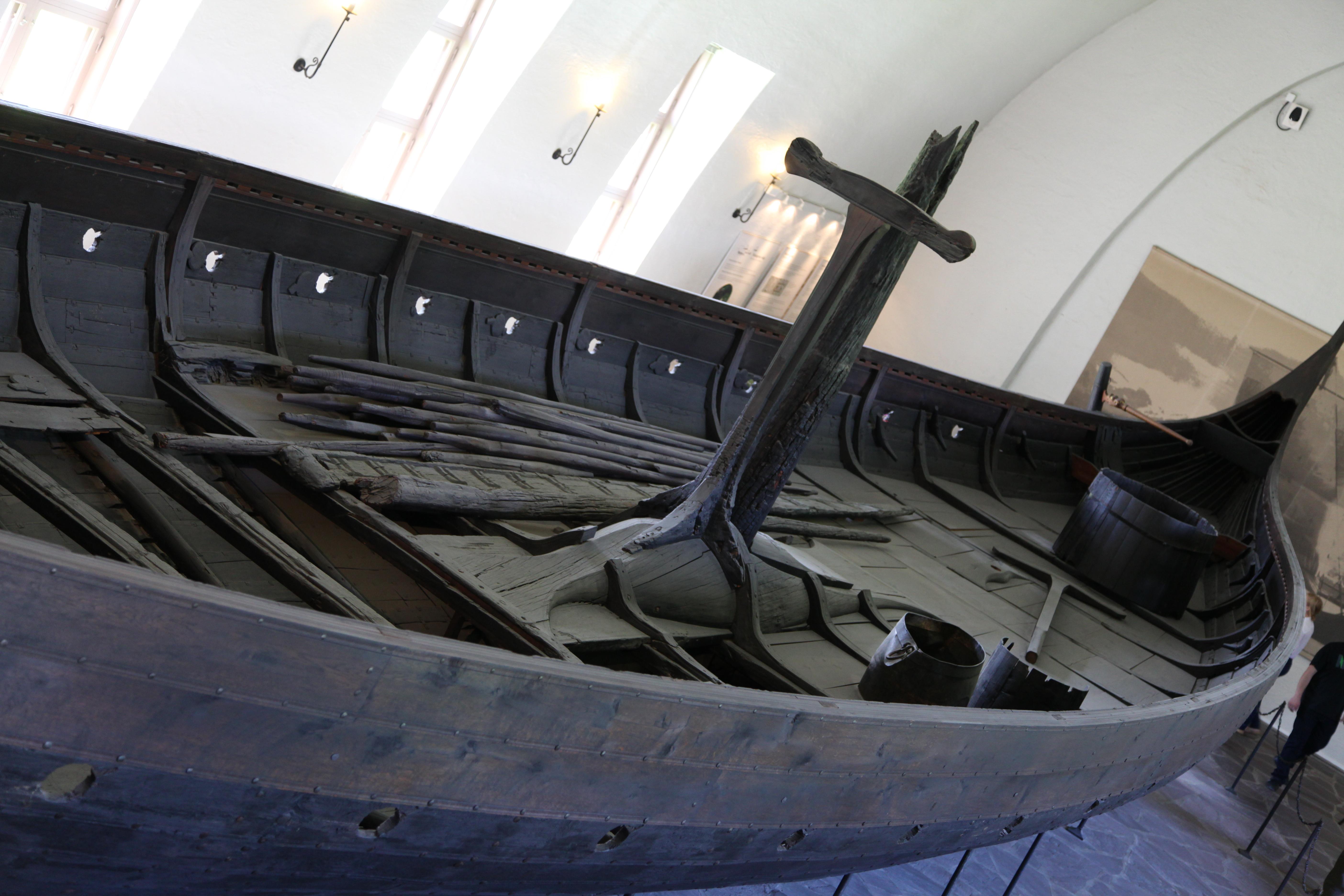 ¡Cuidado con los vikingos y sus barcos! - Noruega Circuito Fiordos Noruegos