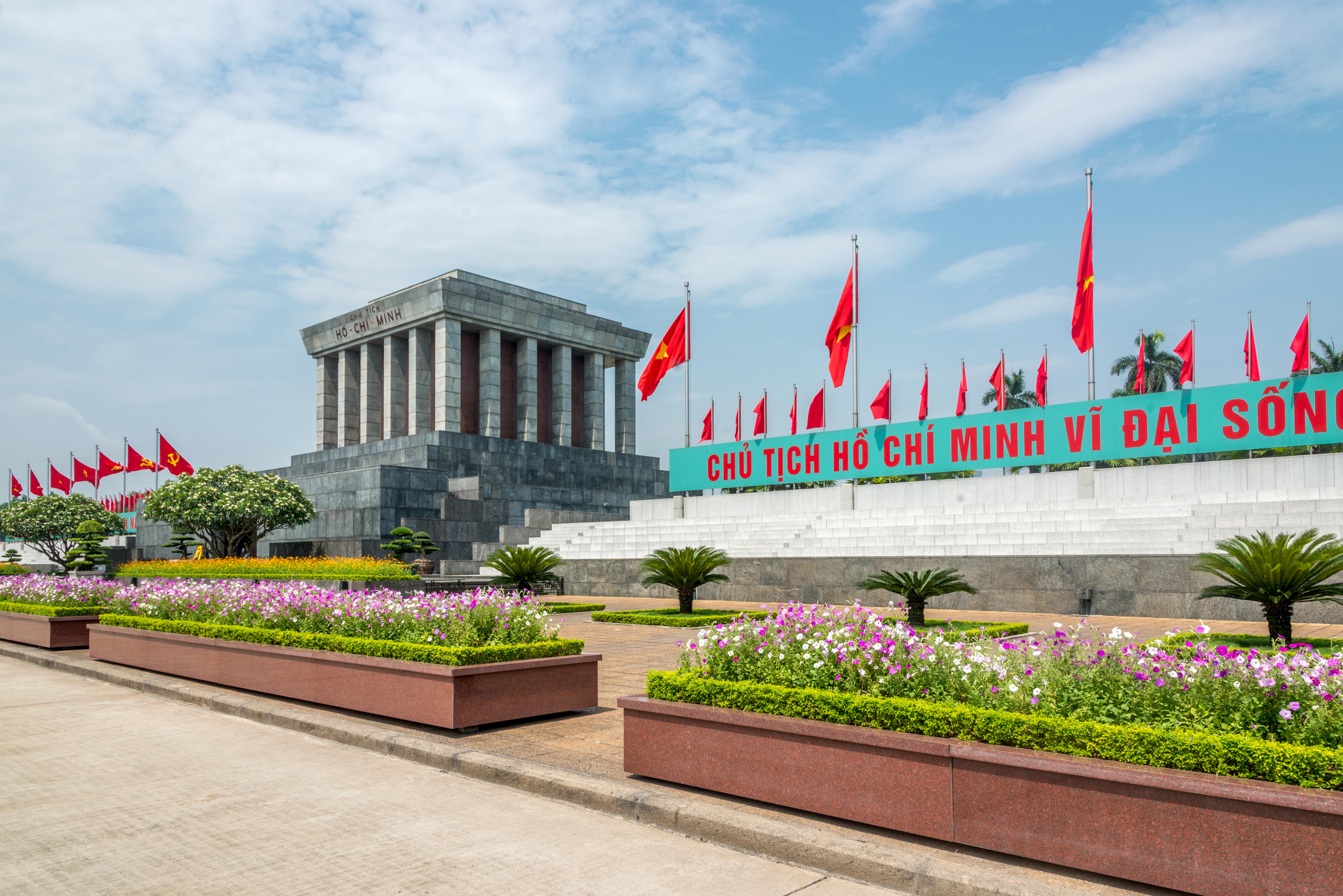 Mausoleo de Ho Chi Minh. Conoce la historia del líder vietnamita - Vietnam Gran Viaje Vietnam Esencial