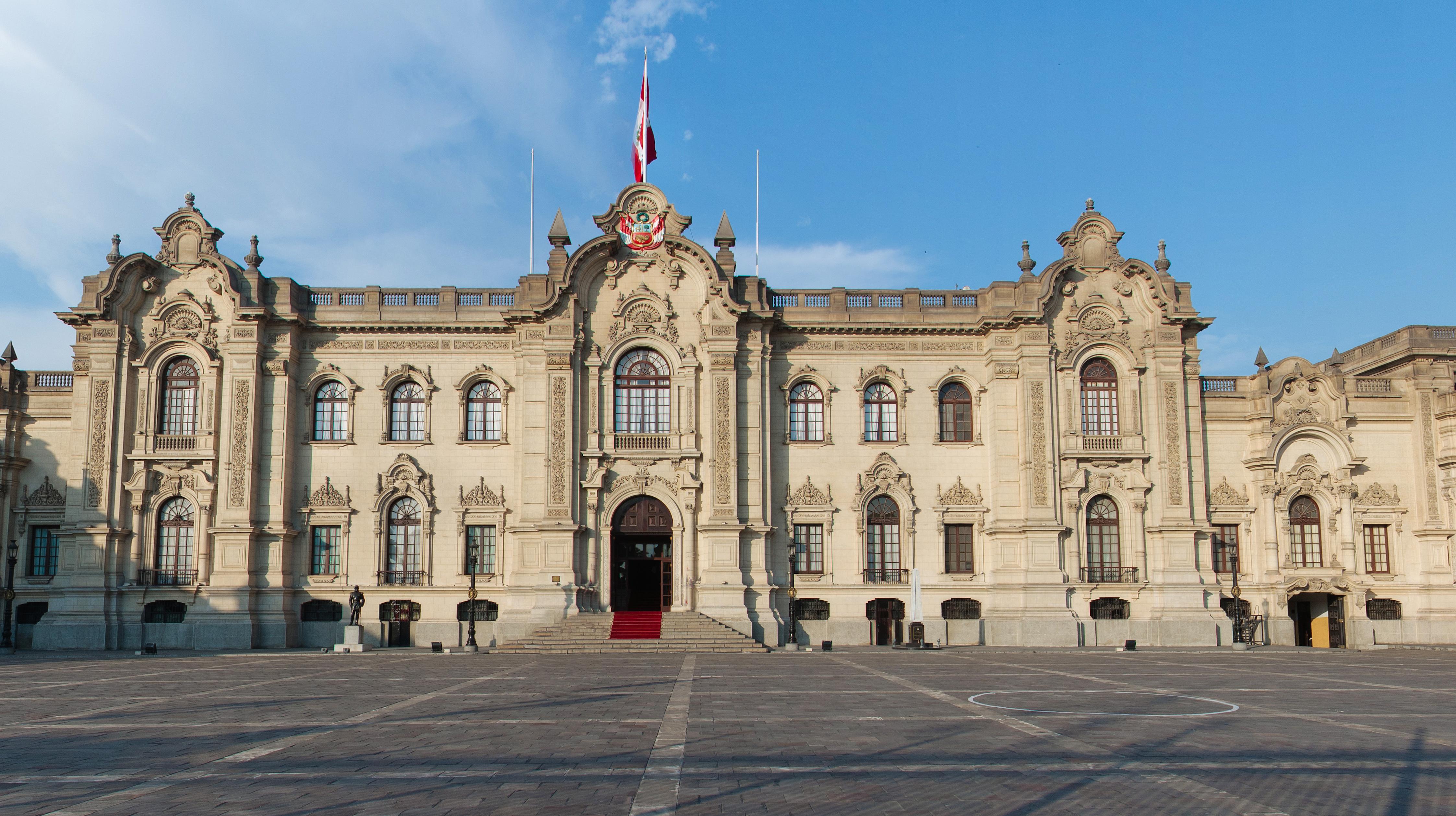 Plaza Mayor o Plaza de Armas de Lima. Donde todo comenzó. - Perú Gran Viaje Lo mejor de Bolivia y Perú