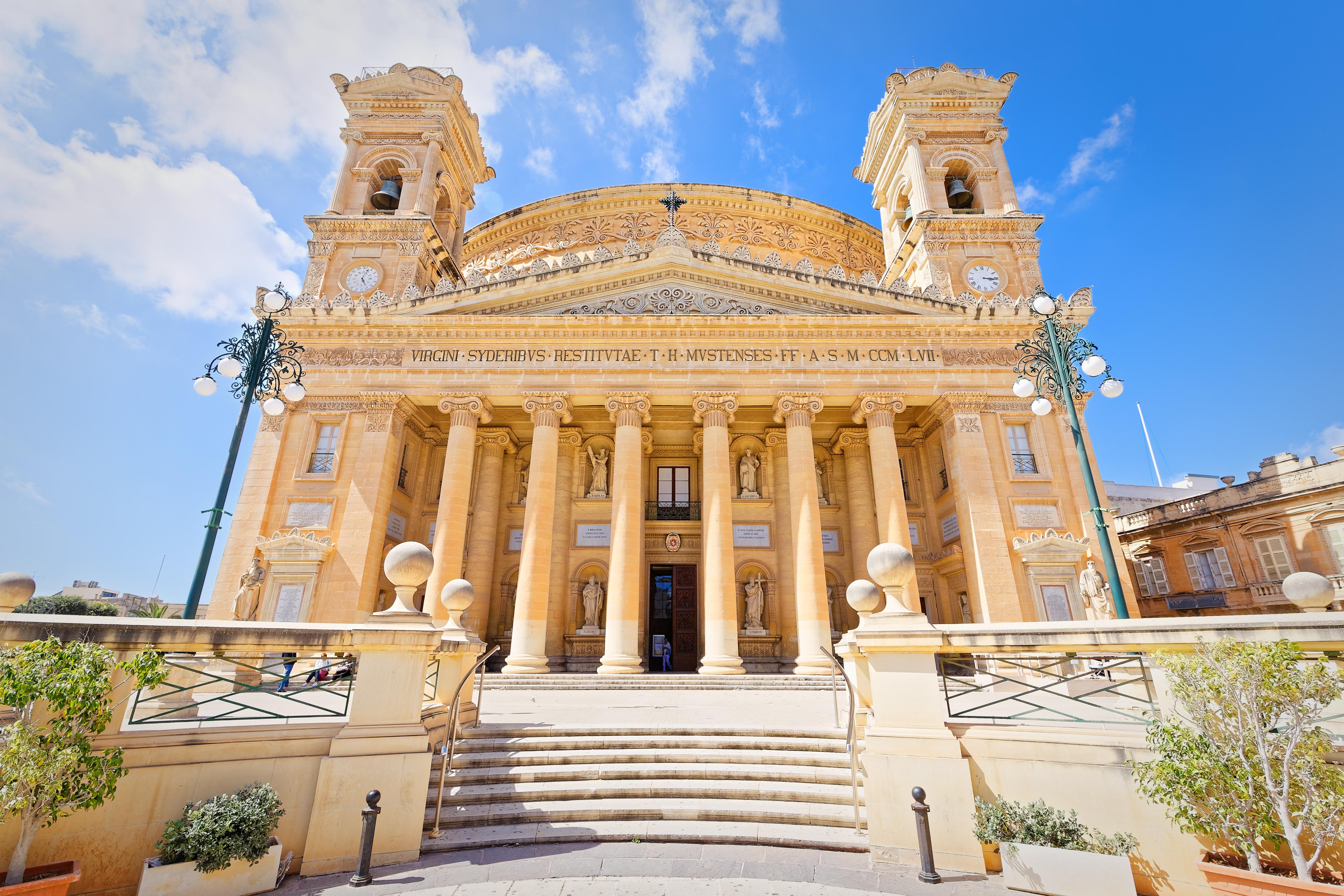 Las bombas que nunca explotaron en la iglesia de Mosta - Malta Circuito Maravillas de Malta