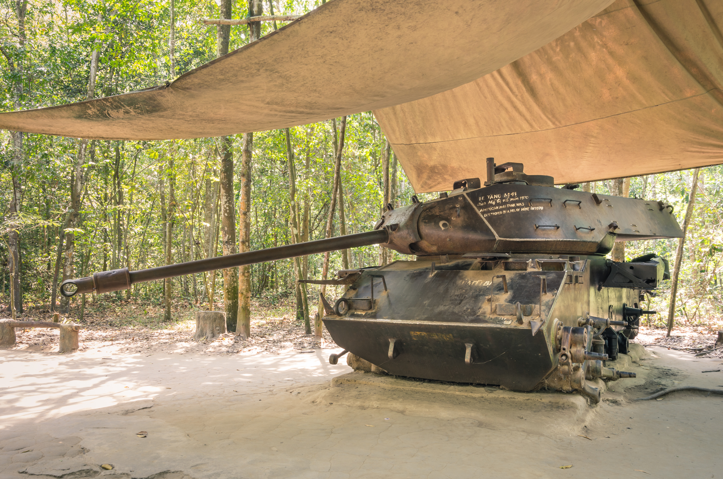 Experiencia de Guerra en los túneles de Cu Chi - Vietnam Gran Viaje Vietnam Esencial