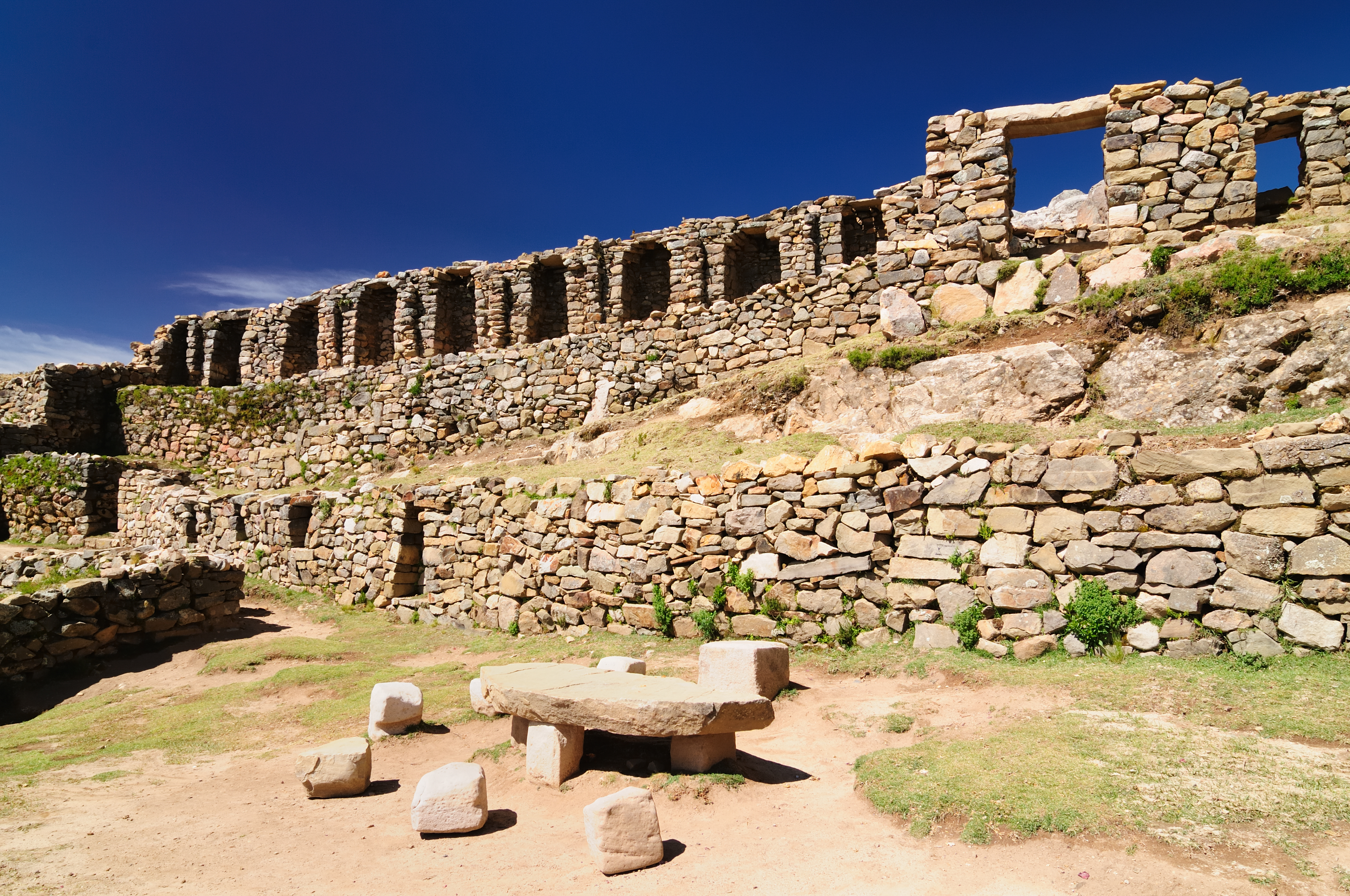 La Isla del Sol, donde nació el dios sol y los dos primeros incas - Bolivia Gran Viaje Bolivia Increíble