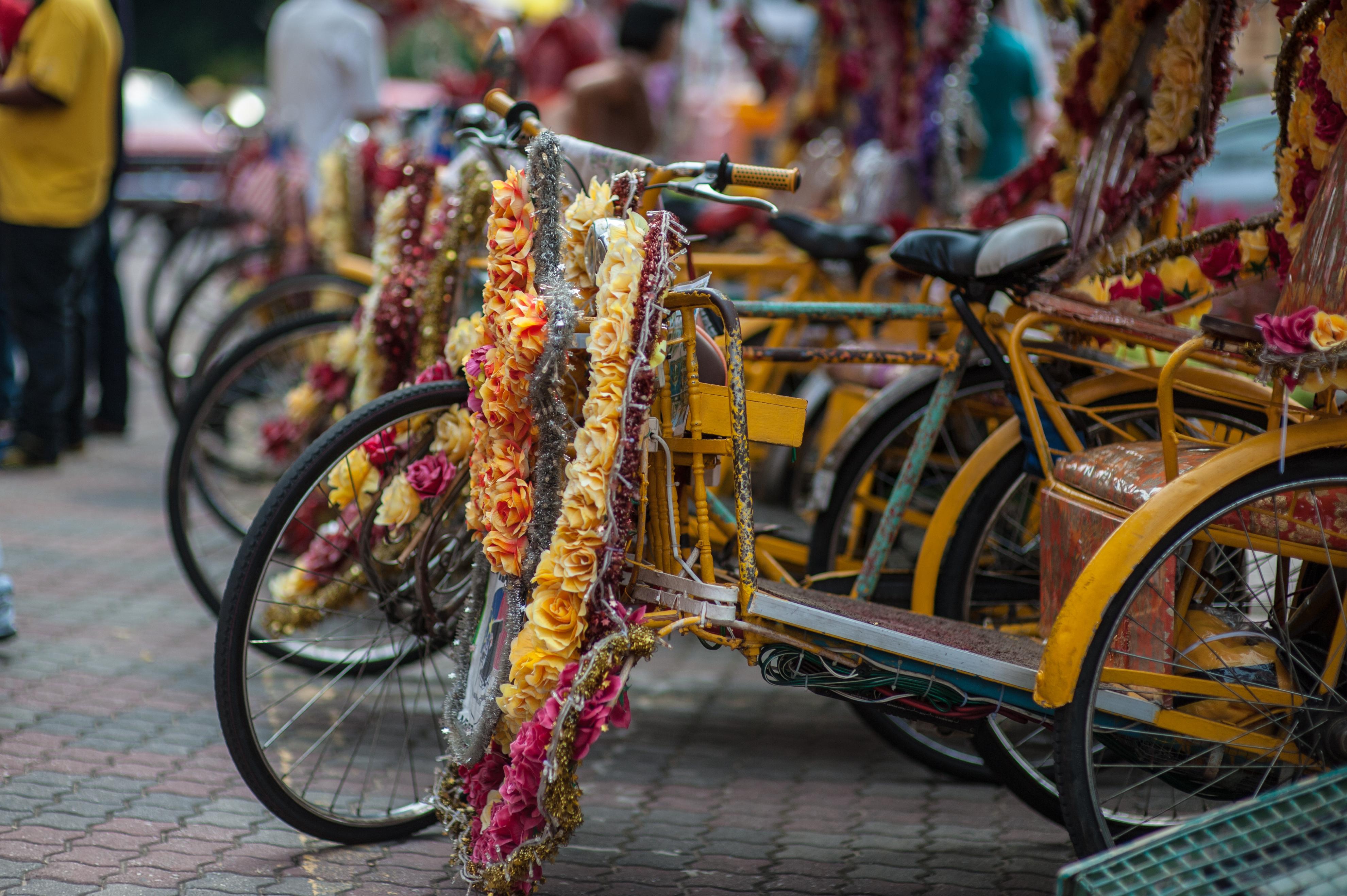 Monta en los coloridos rickshaw de Malaca - Singapur Gran Viaje Camino Colonial