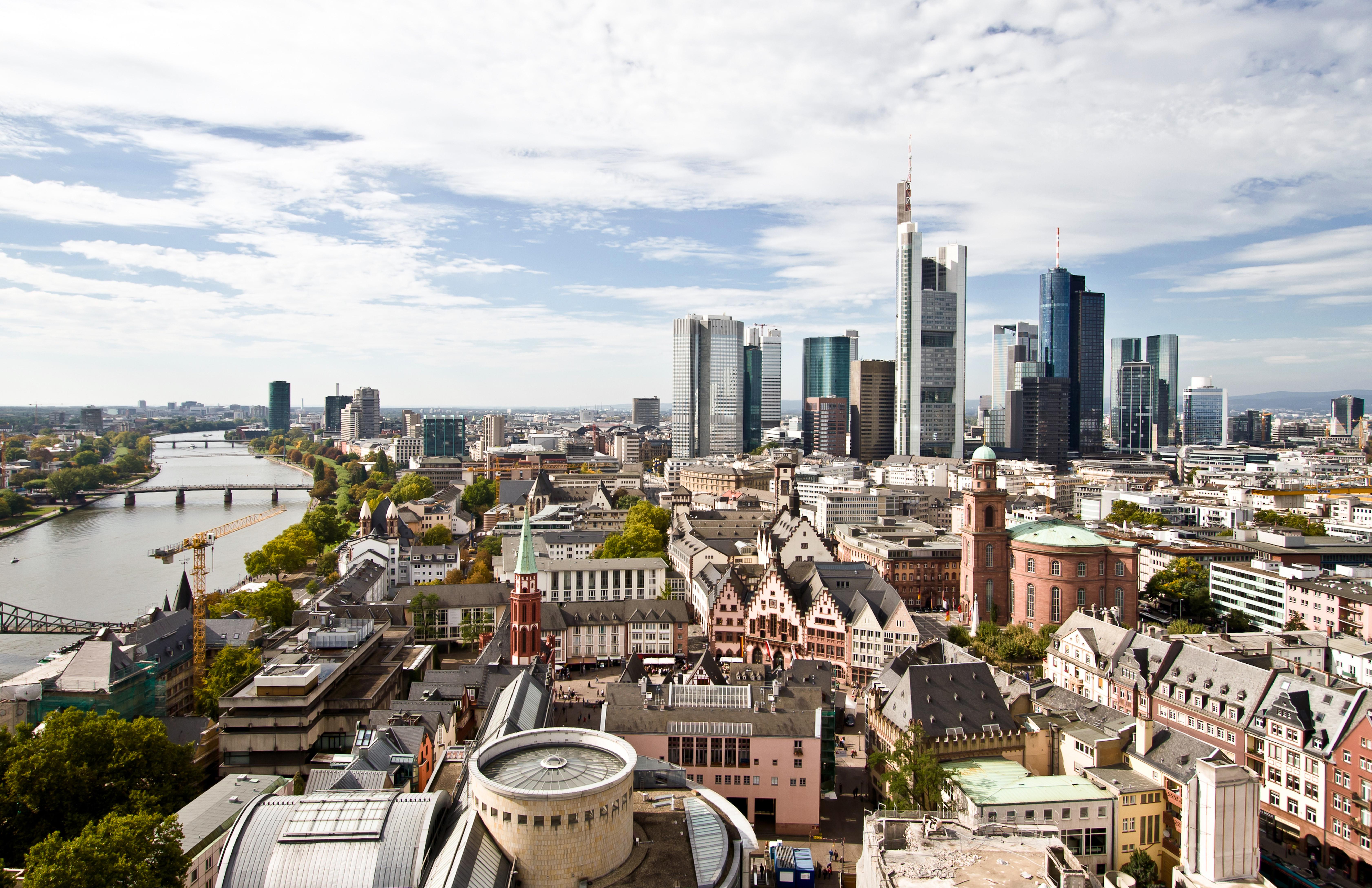 Frankfurt, un intenso paseo entre gigantescos rascacielos - Francia Circuito La Ruta del Champagne, Luxemburgo y Alsacia