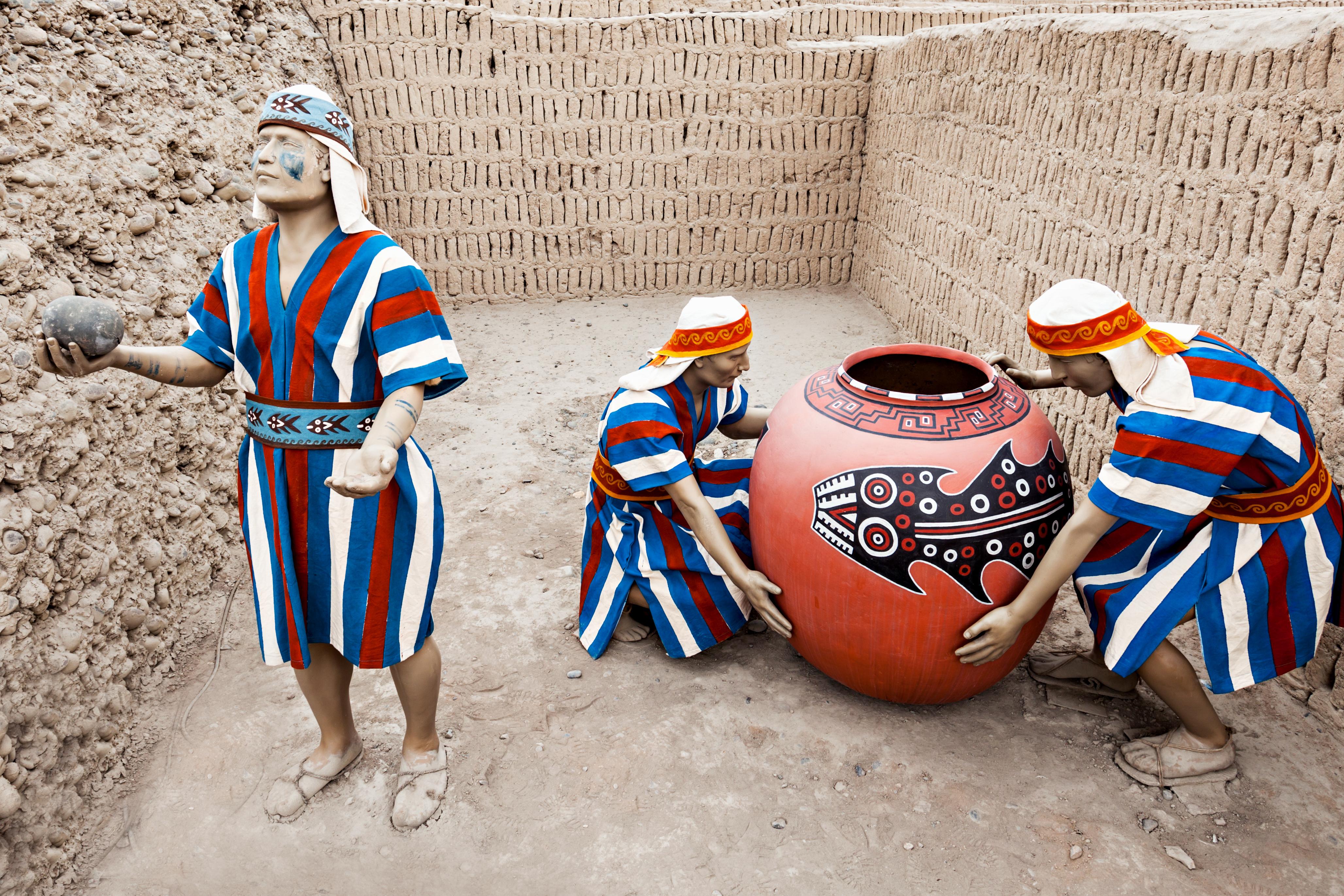 Los antiguos sepulcros indios, Huaca Pucllana o Juliana - Perú Gran Viaje Perú Irresistible